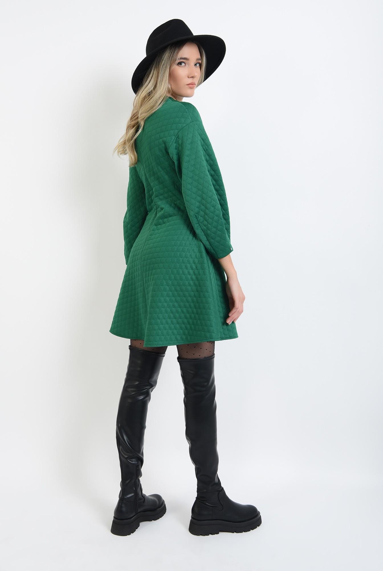 2 - rochie din material matlasat, verde, scurta, evazata