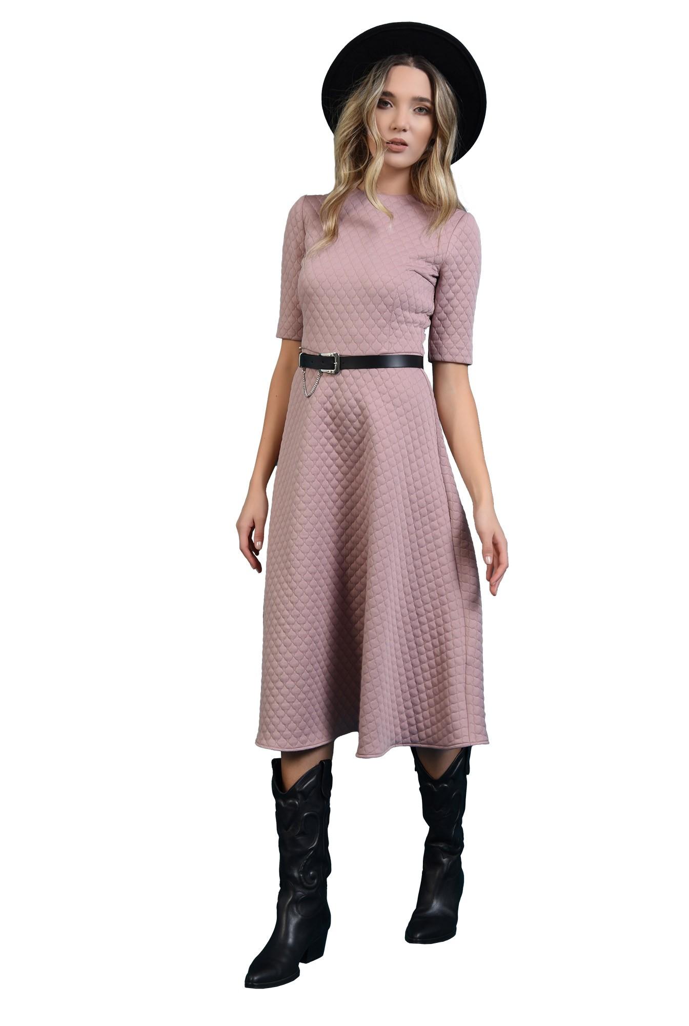 3 - 360 - rochie midi, roz, evazata, din material matlasat