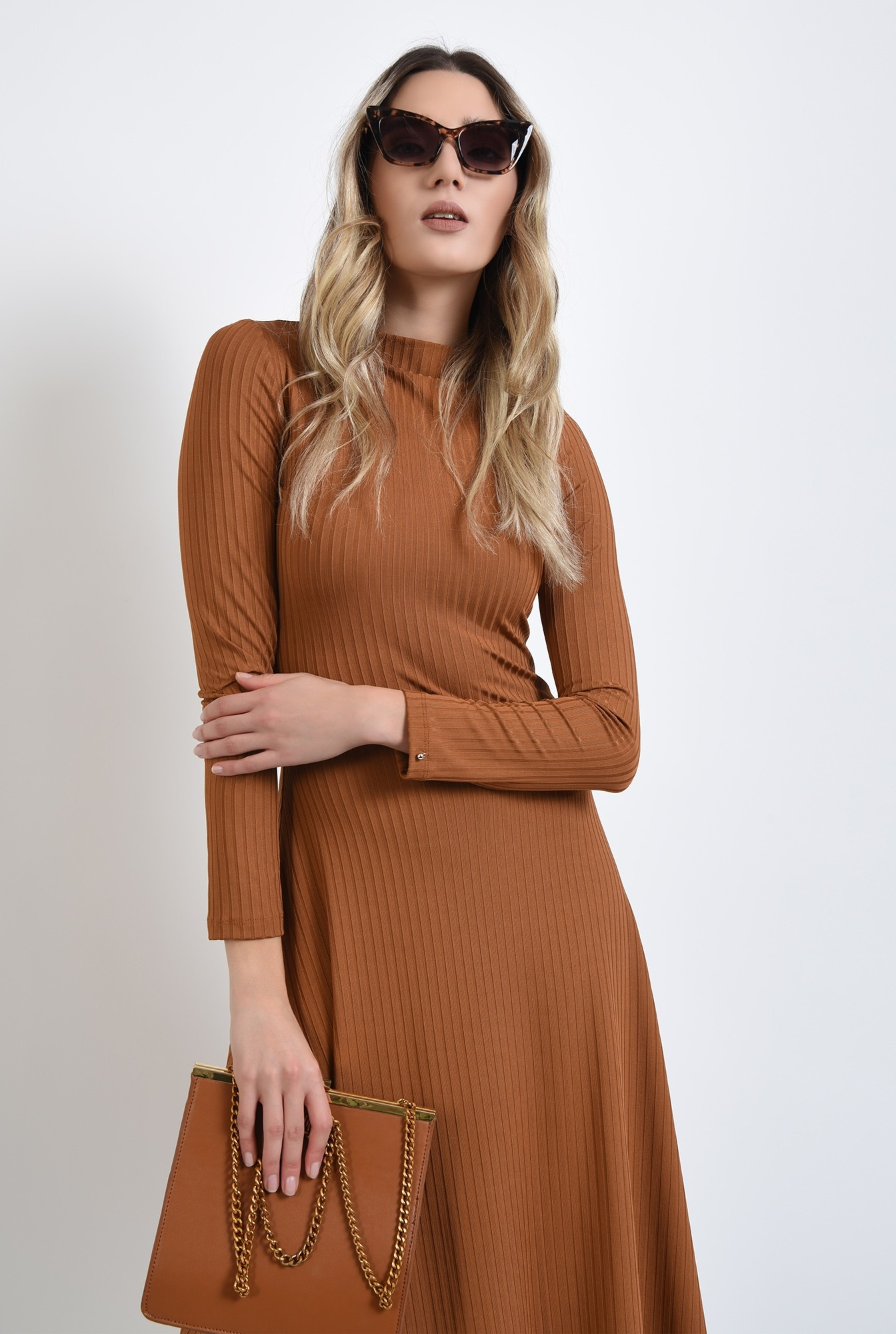 0 - rochie camel, evazata, cu maneca lunga