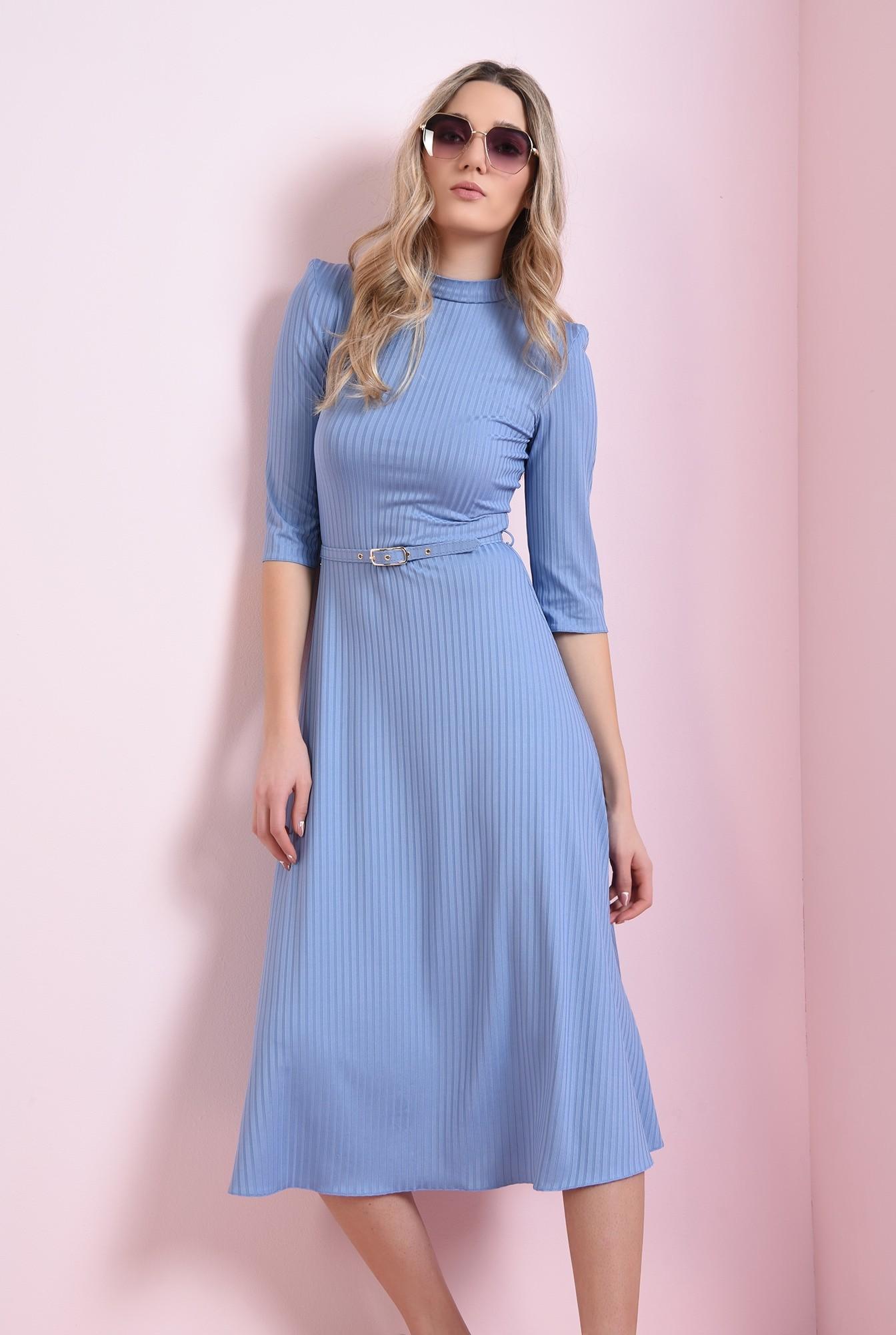 1 - rochie bleu, cu guler inalt, cu centura