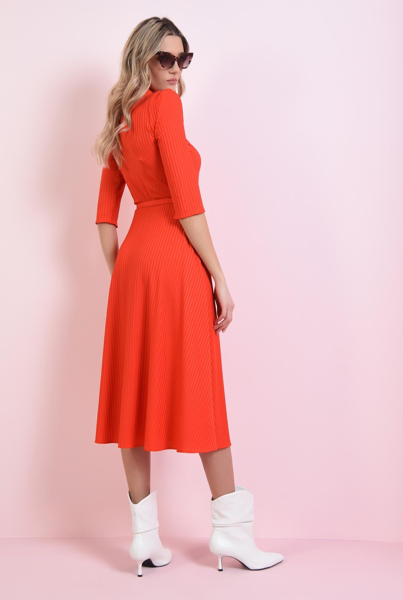 1 - rochie rosie, evazata, cu centura