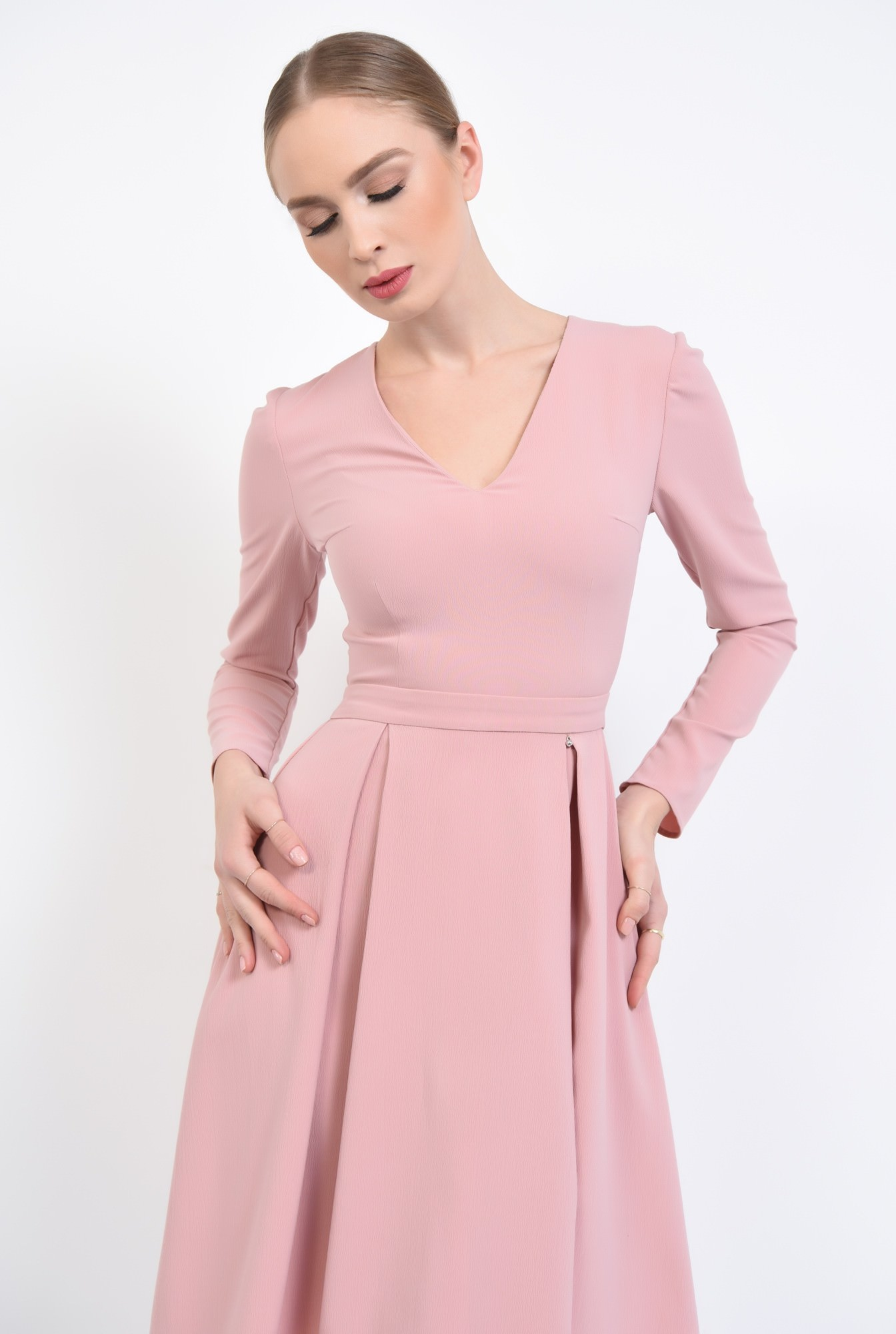 2 - Rochie de zi evazata, roz
