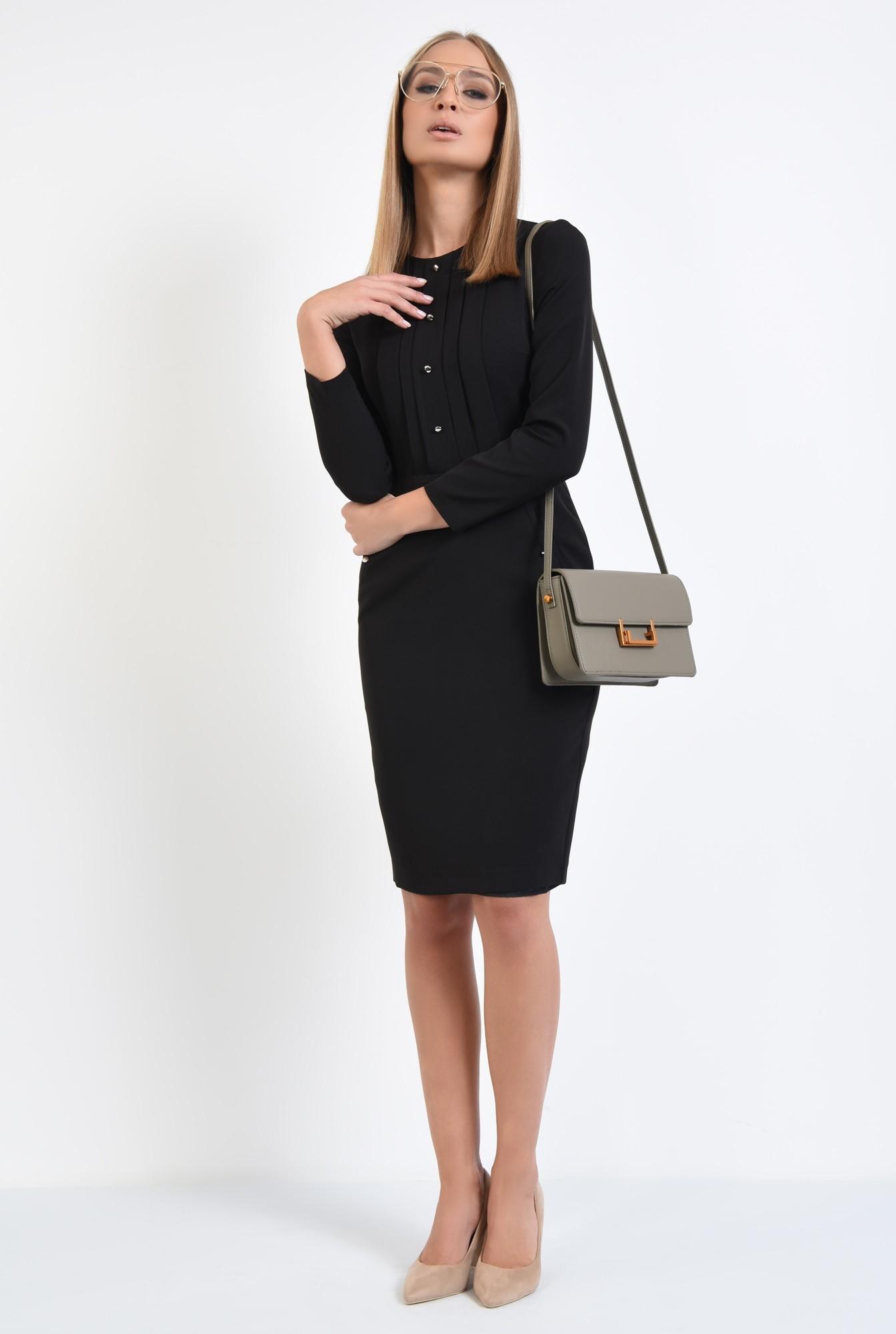 3 - rochie casual, neagra, cambrata, maneci lungi, nasturi metalici