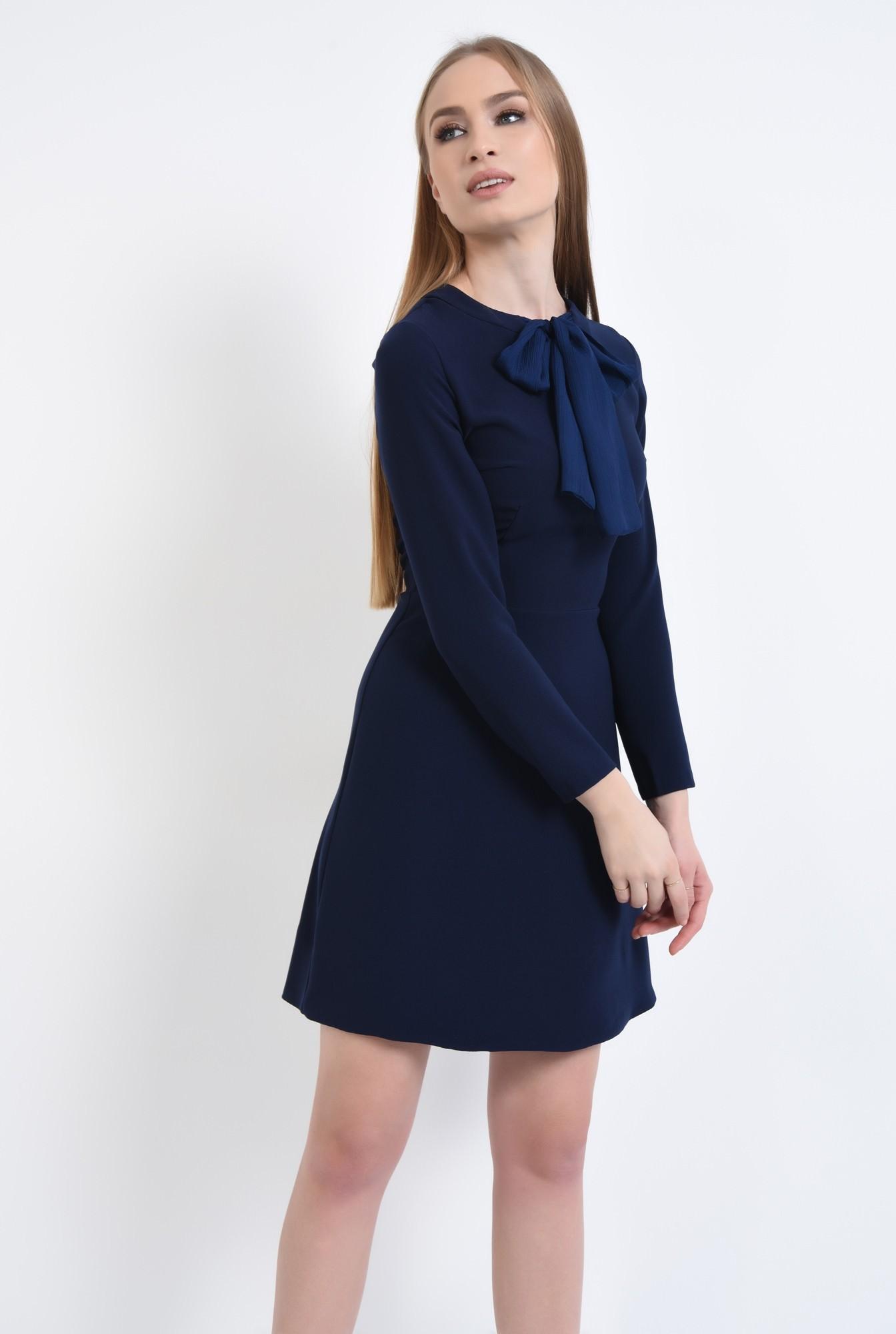 3 - rochie mini, croi A-line, talie cambrata, rochii online