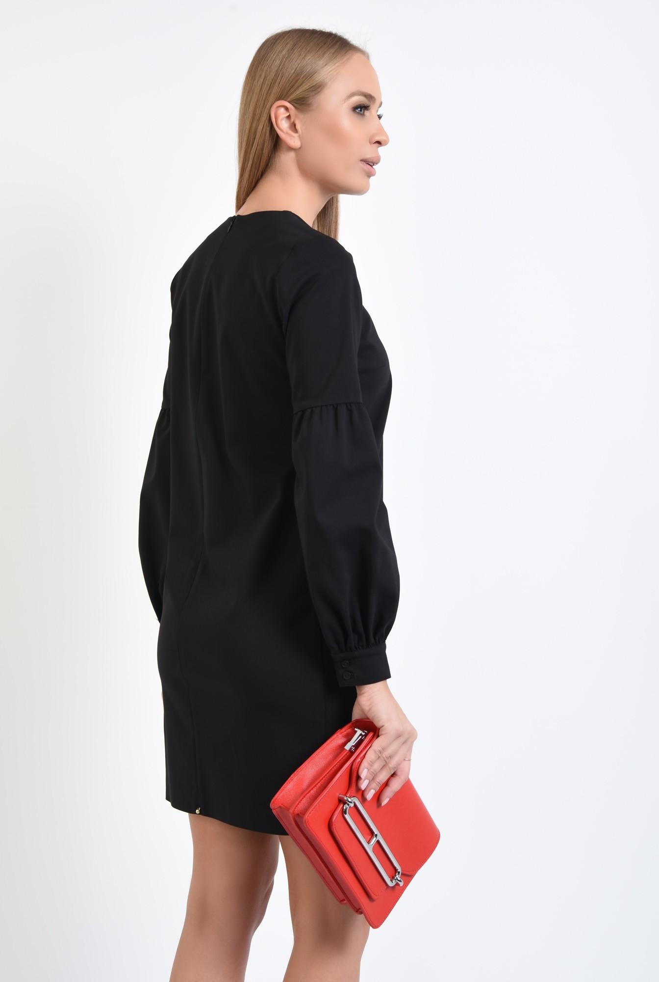 1 - rochie mini neagra, decolteu rotund la baza gatului