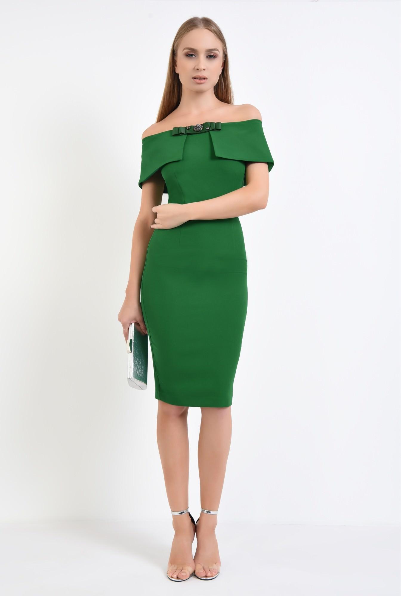 3 - rochie eleganta, conica, funda, brosa