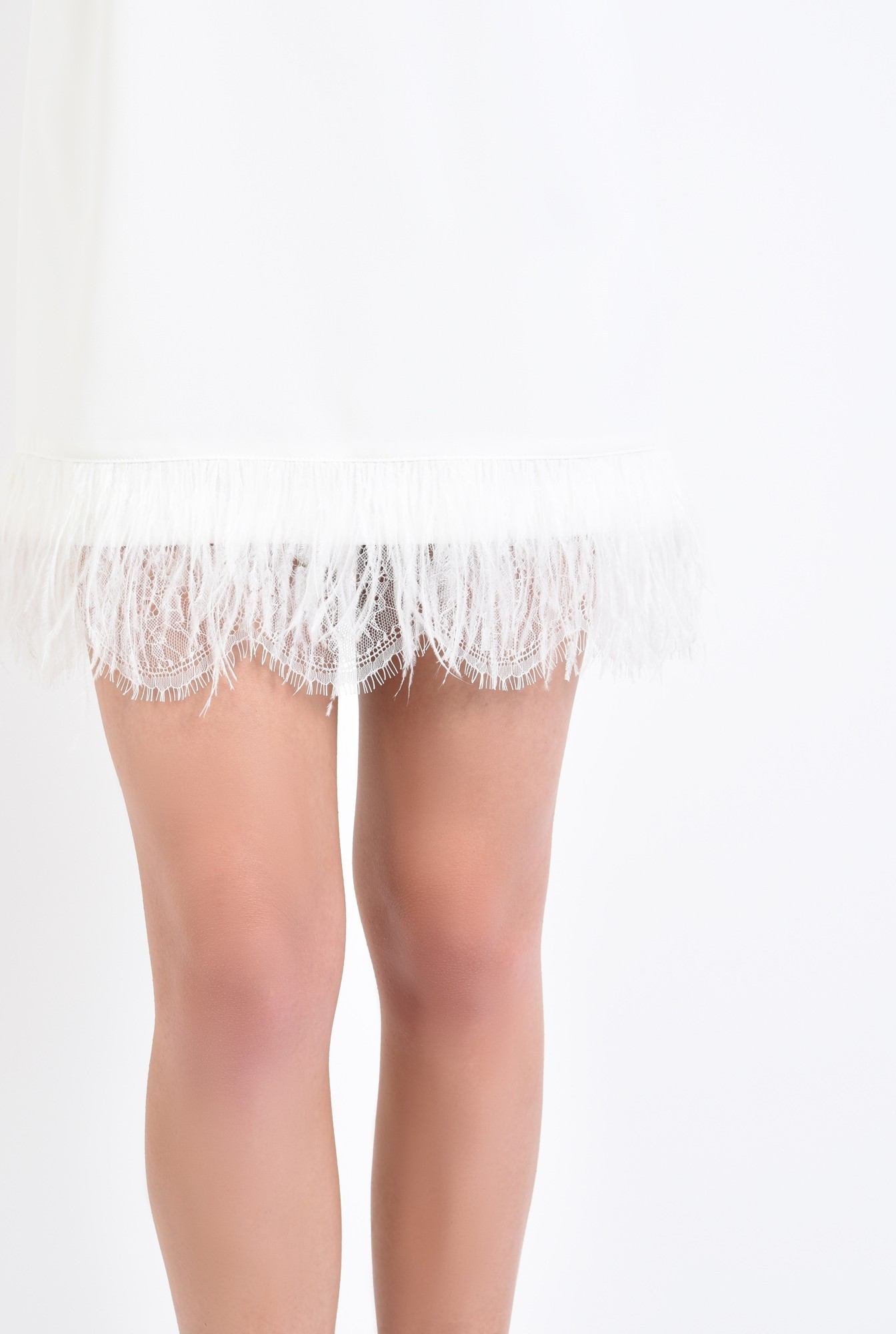 2 - rochie eleganta, scurta, alba, pene de strut