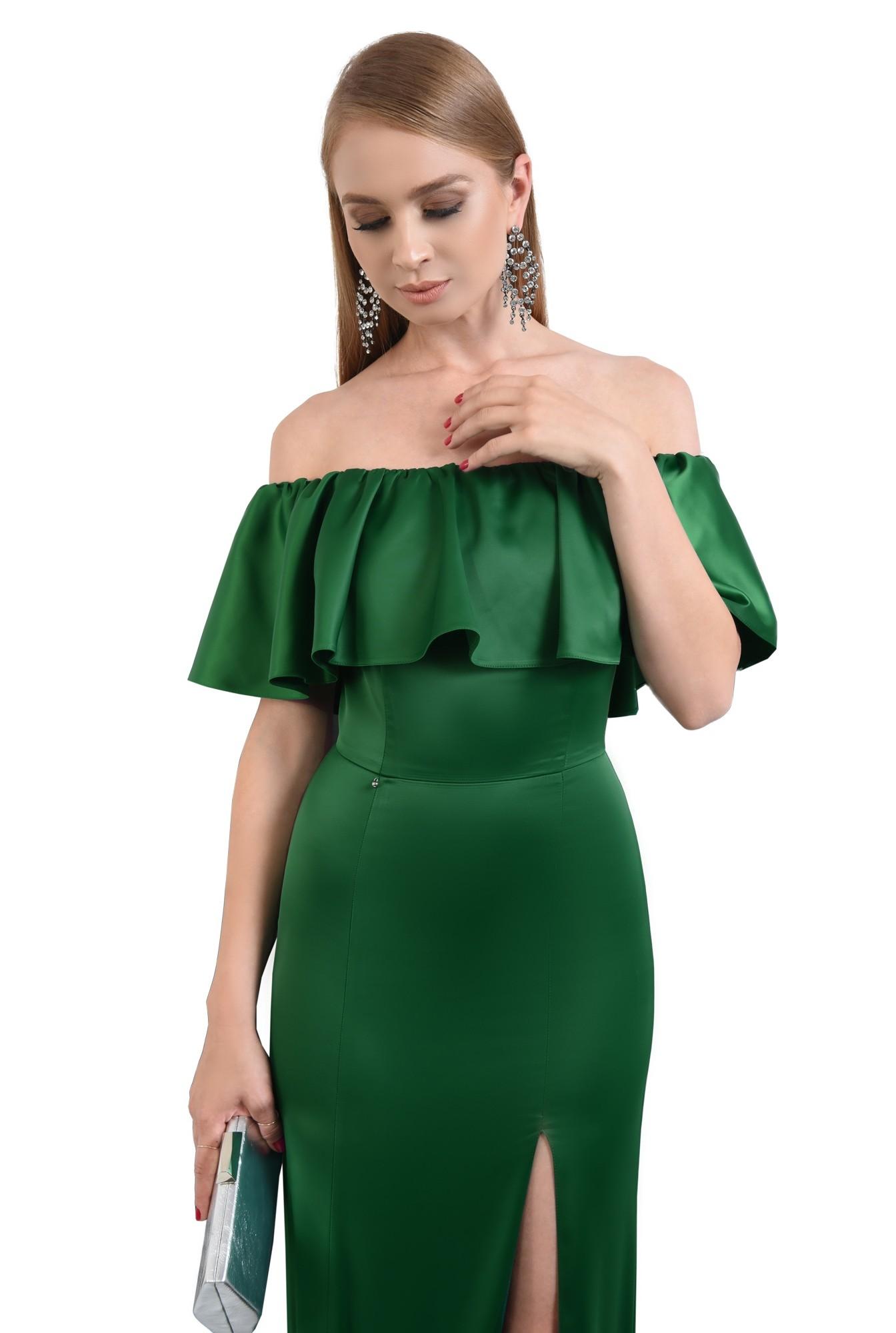 3 - rochie de seara smarald, slit adanc, umeri dezgoliti, maxi