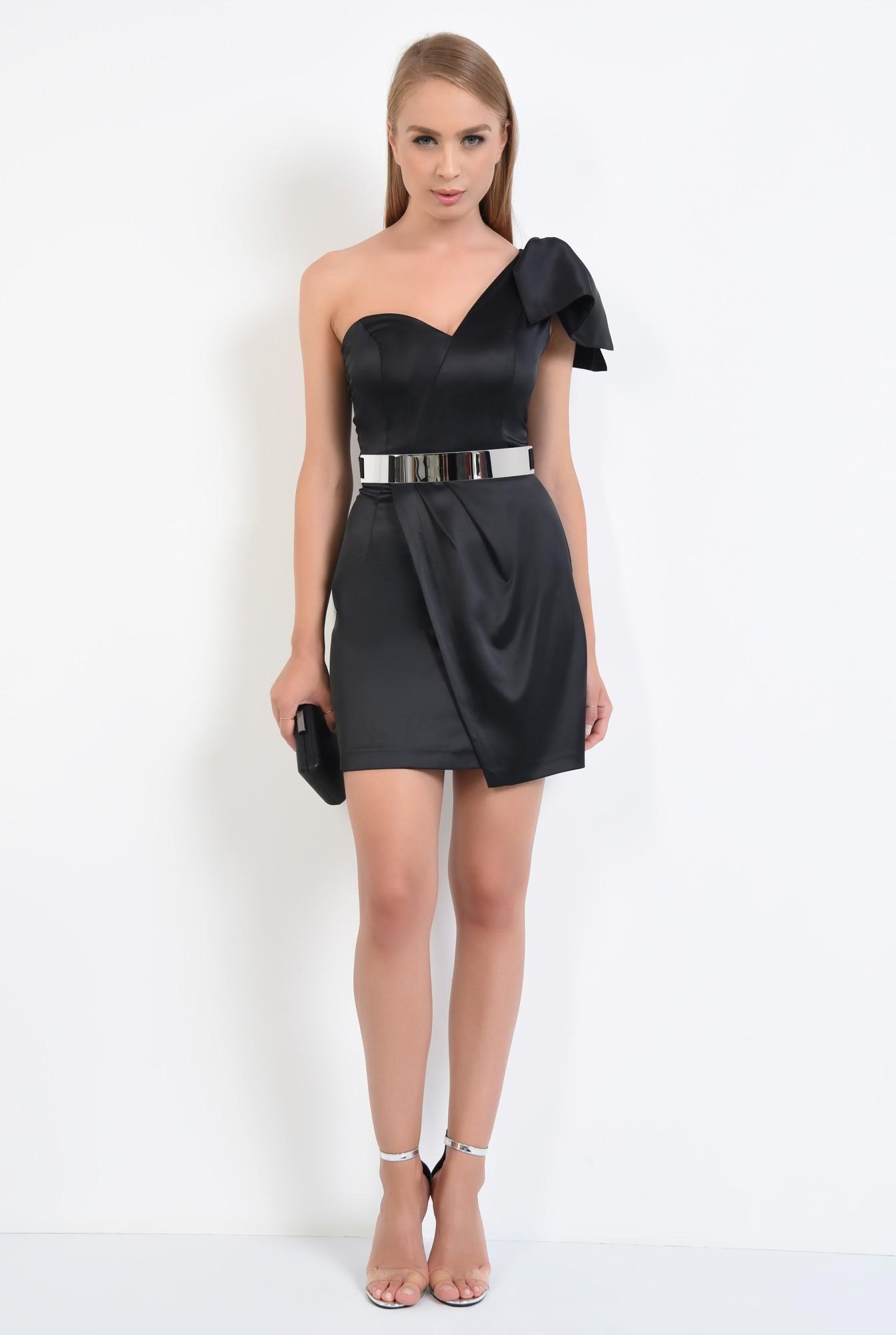 3 - rochie eleganta, mini, satin, centura metalica, decolteu