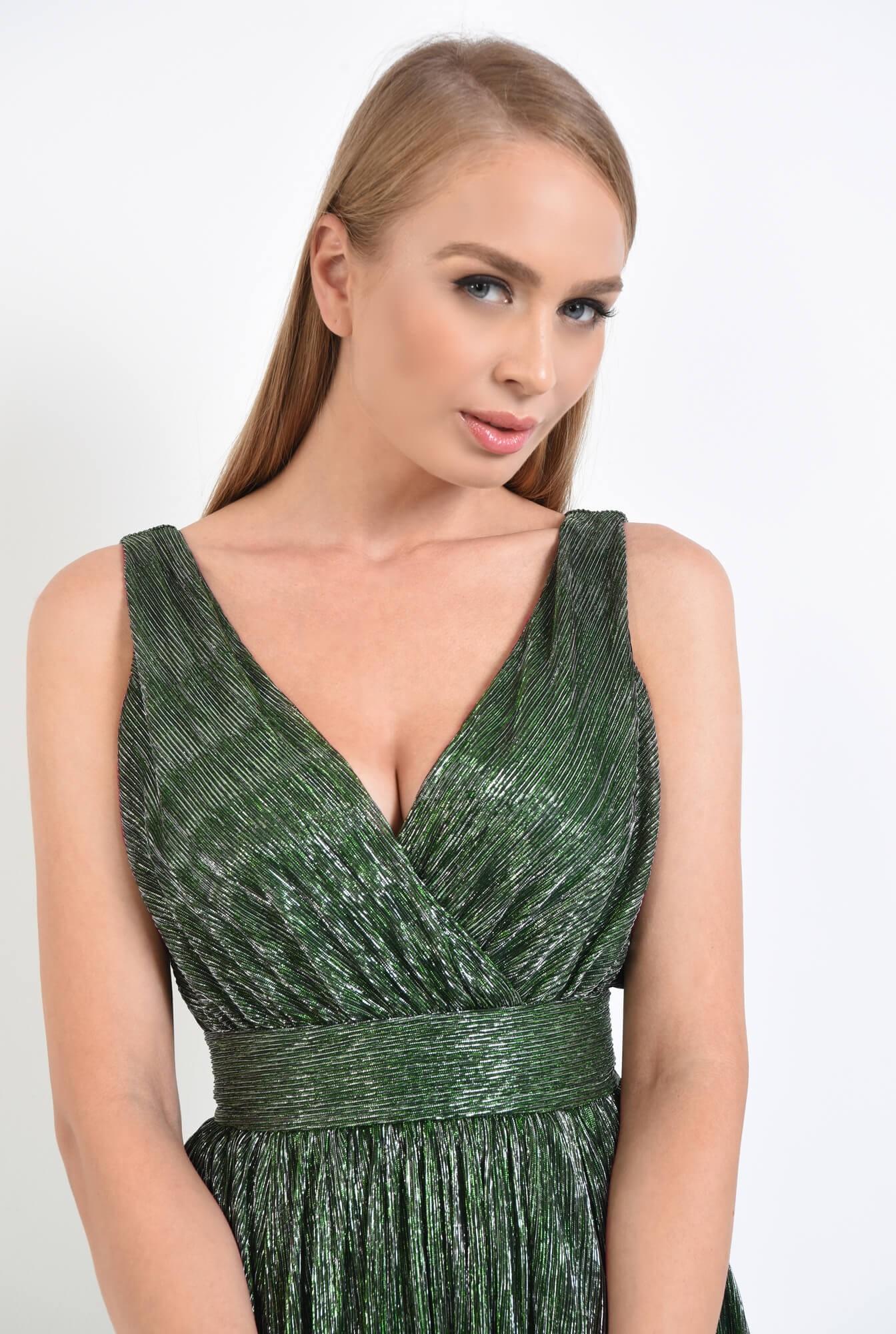 2 - rochie de seara, clos, betelie lata, decolteu anchior, verde
