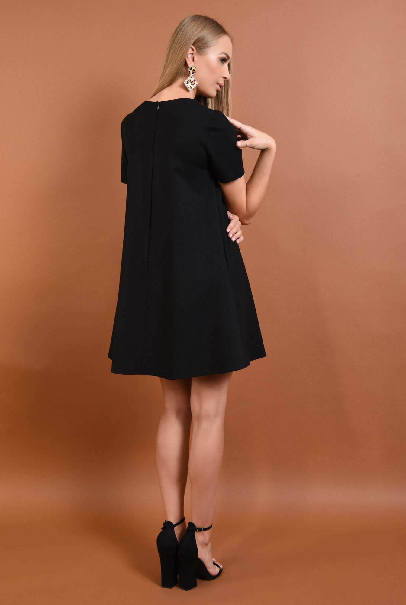 1 - rochie din tricot, neagra, scurta, croi evazat