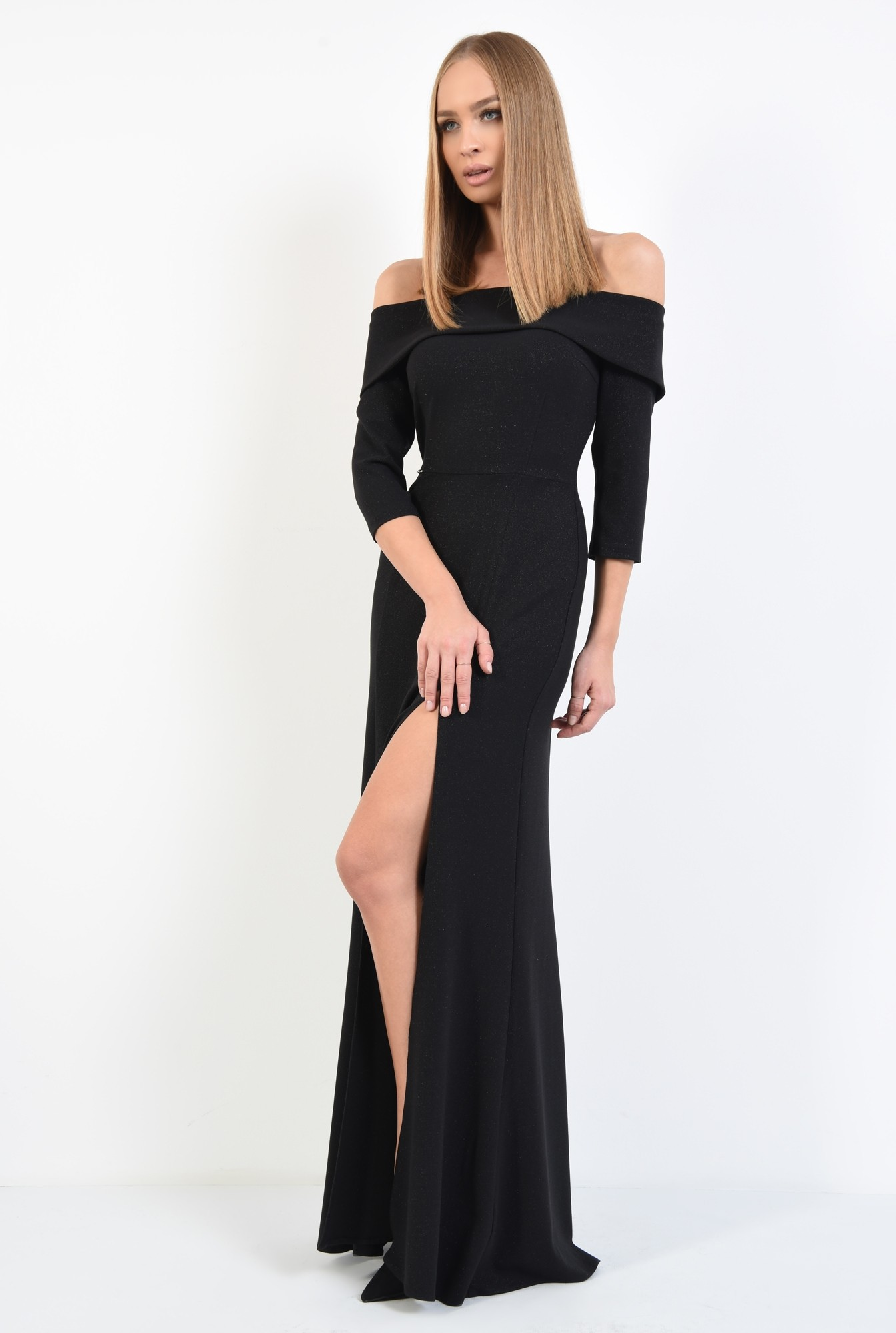 3 - rochie maxi, neagra, slit adanc, umeri dezgoliti