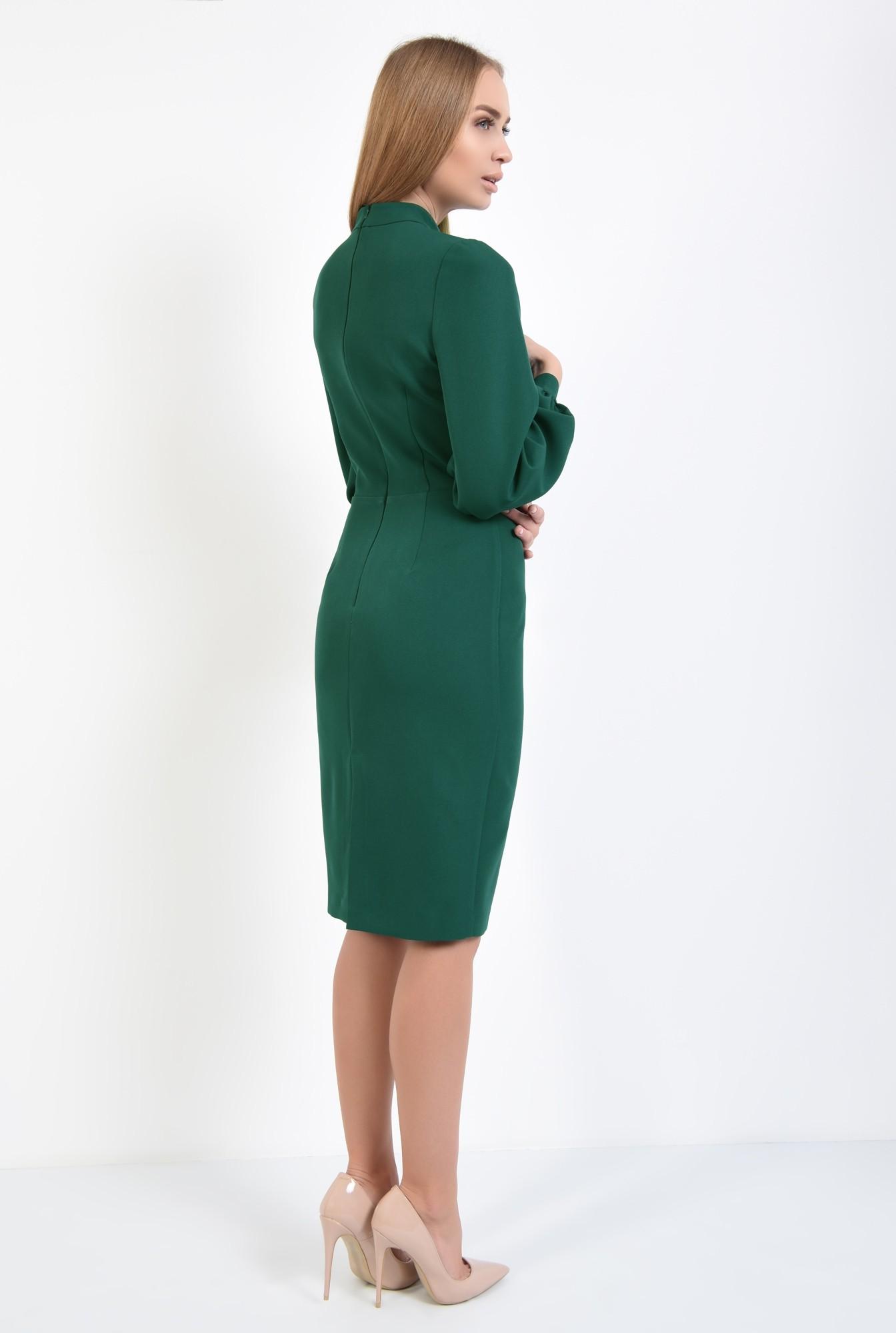 1 - rochie verde, de zi, croi conic, cusatura in talie, guler inalt
