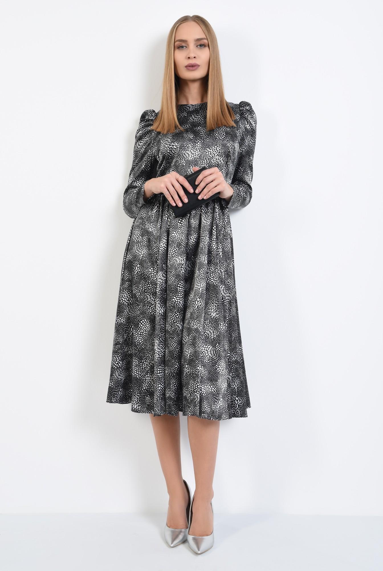 3 - rochie eleganta, clos, cusatura in talie, maneci lungi, satin imprimat