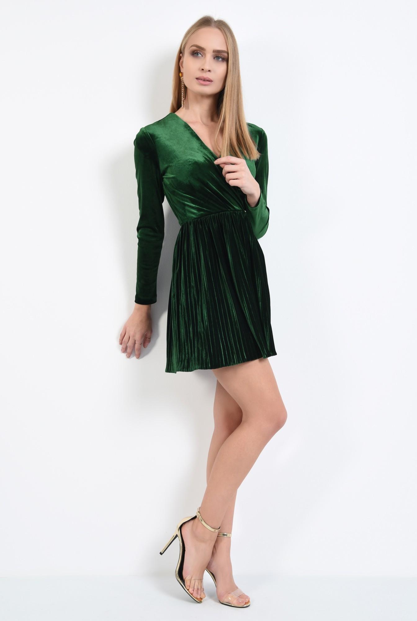 3 - rochie de ocazie, din catifea, verde, cu pliseuri