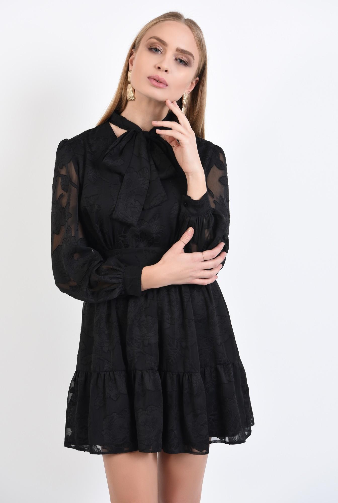 0 - rochie neagra, little black dress, croi evazat cu volan