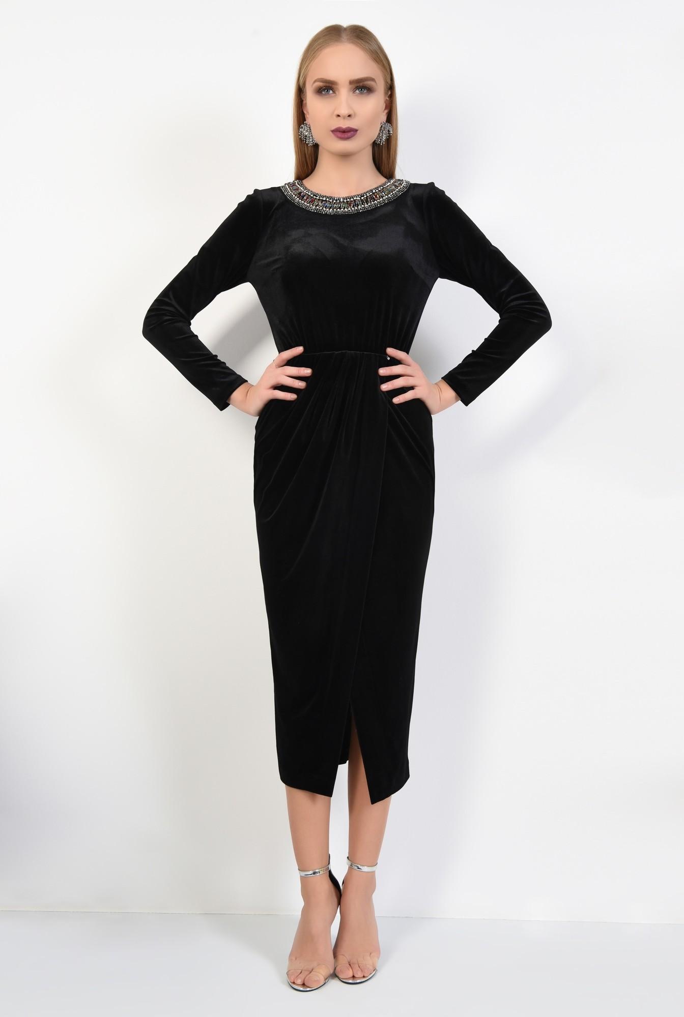 3 - rochie de seara, catifea, negru, pasmanterie la decolteu, parte peste parte