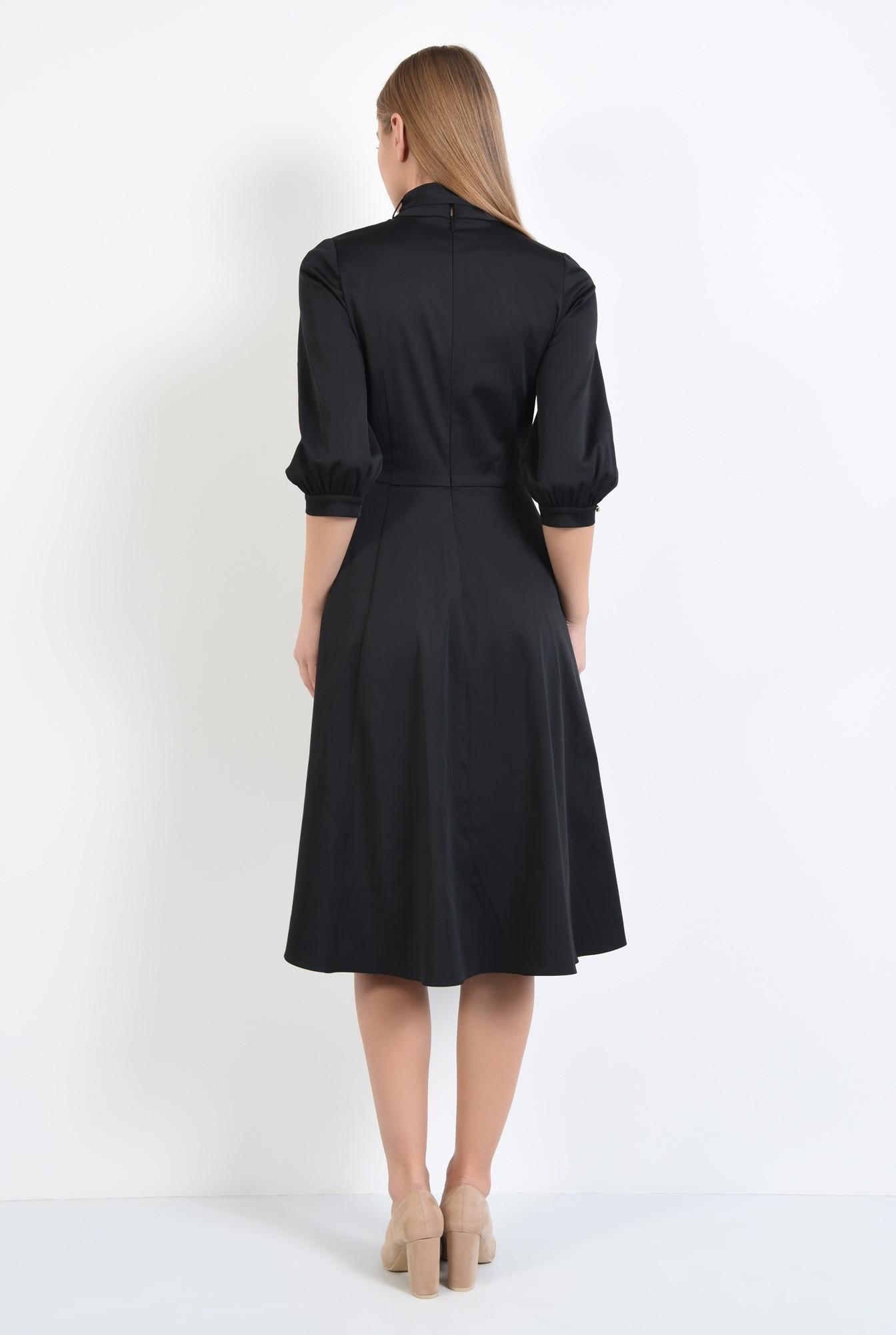1 - rochie neagra, clos, guler cu funda, cusatura in talie