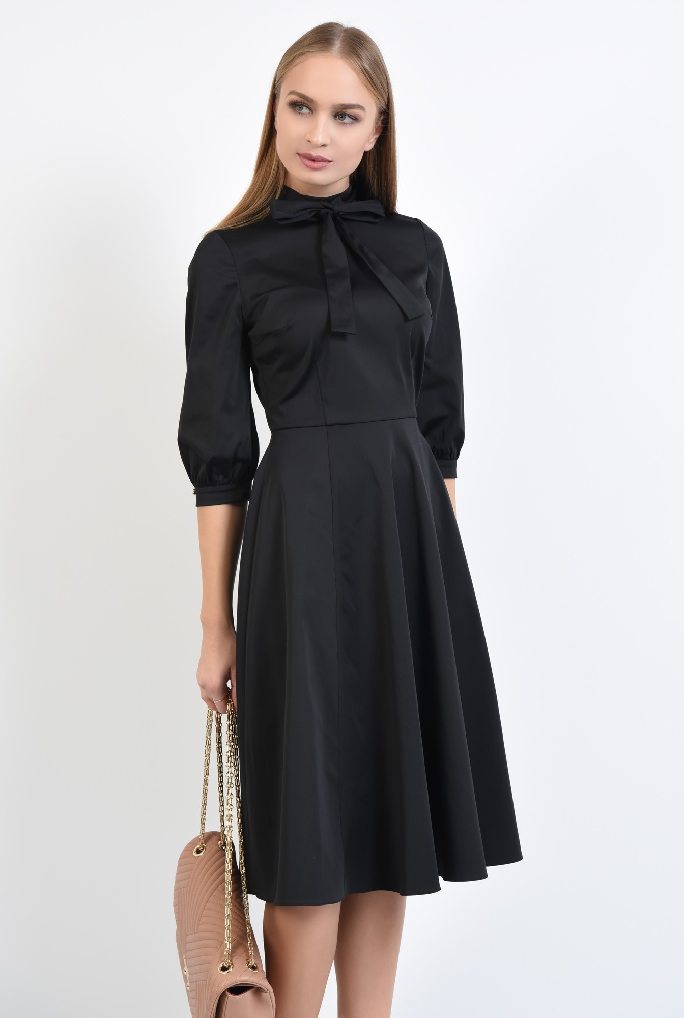 0 - rochie neagra, clos, guler cu funda, cusatura in talie