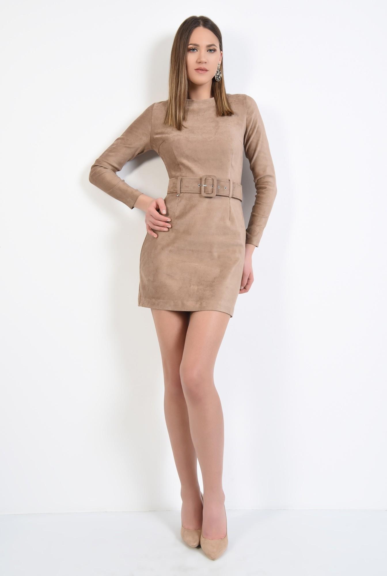 3 - rochie scurta, bej, din piele intoarsa, cu maneci mulate, cu centura