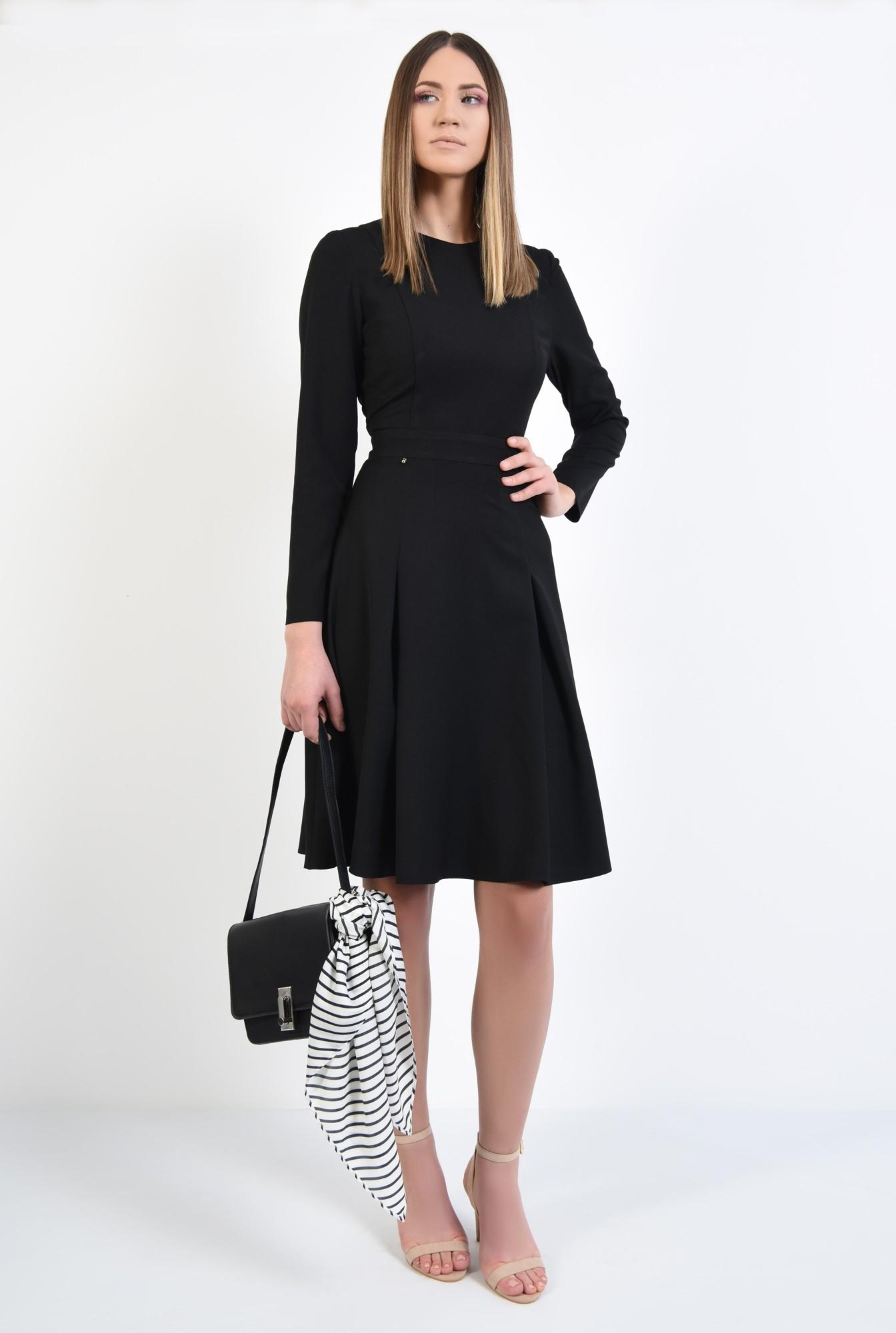 3 - rochie neagra, midi, din crep, maneci lungi ajustate