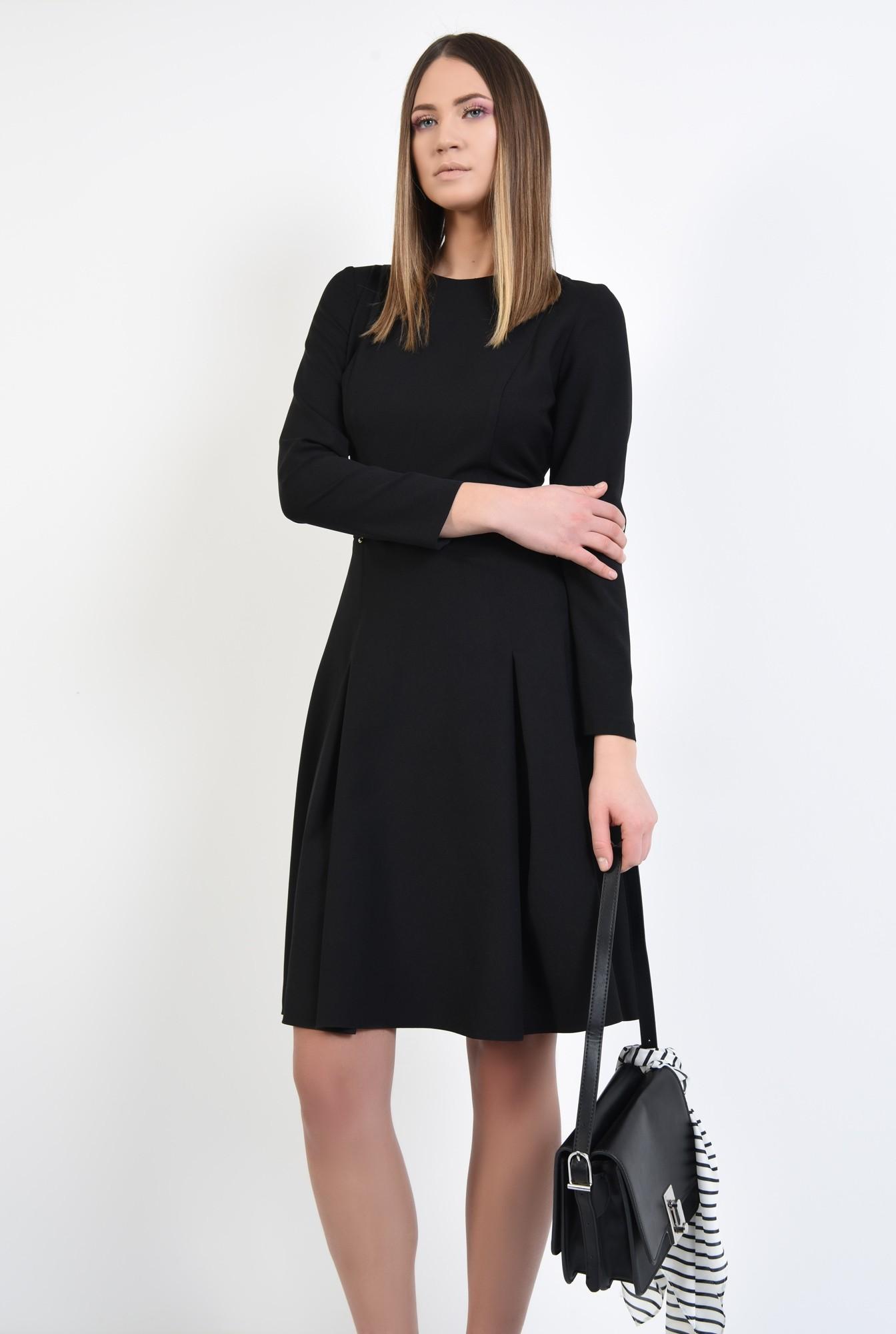 2 - rochie neagra, midi, din crep, maneci lungi ajustate