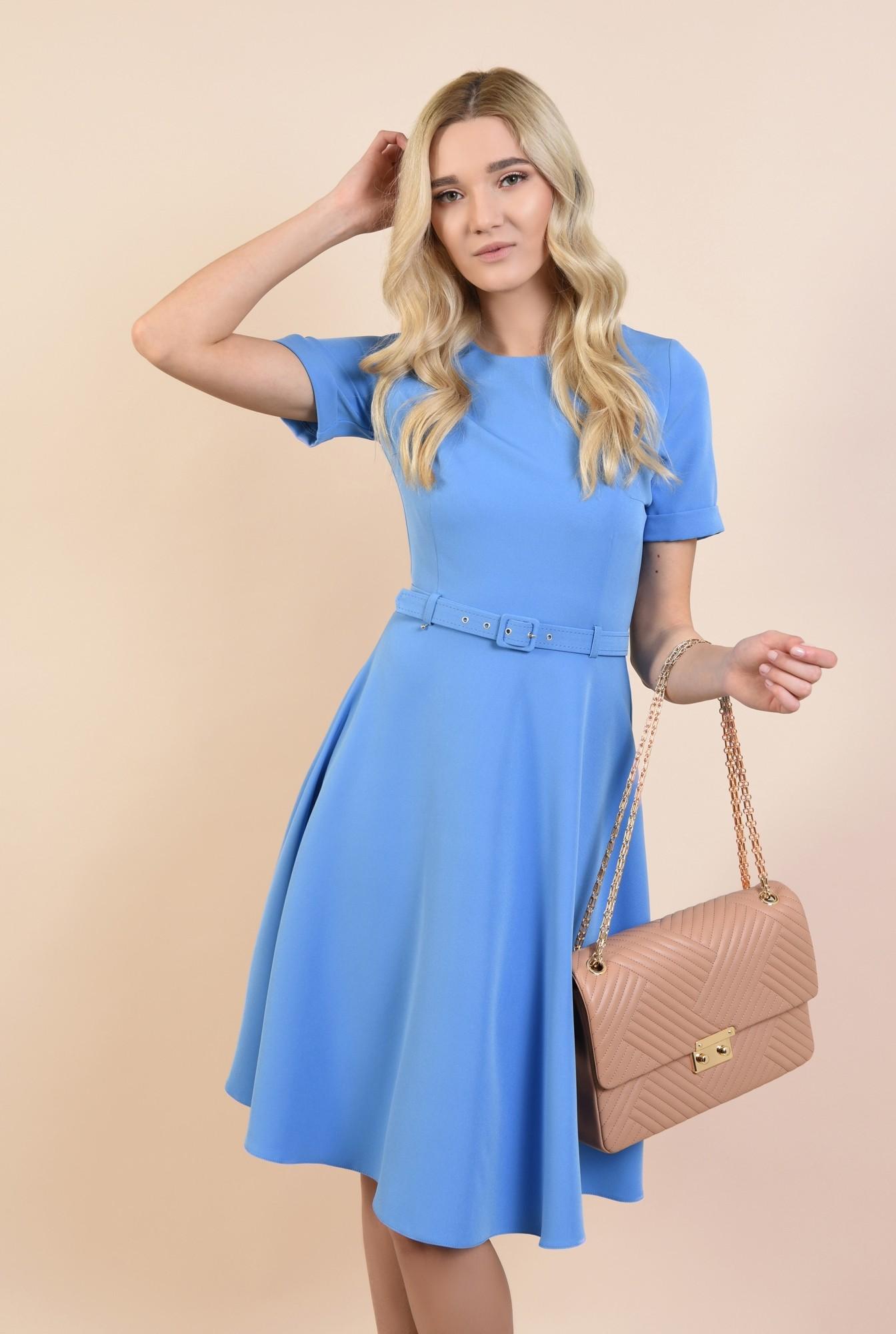 2 - rochie office, clos, bleu, midi, cu centura subtire, maneci scurte cu manseta