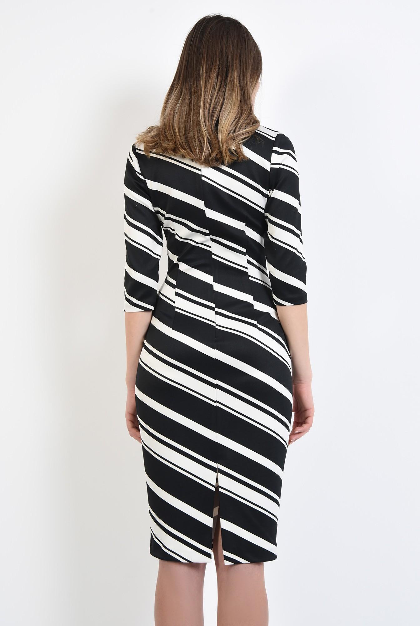 1 - 360 - rochie midi, mulata, cu dungi oblige, alb-negru, croi cambrat