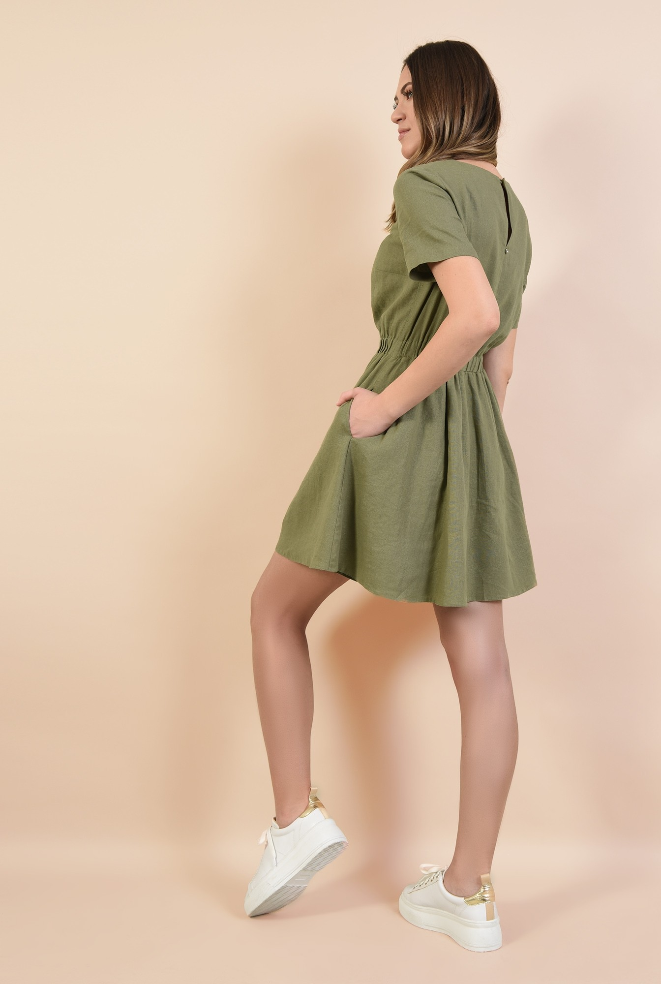 1 - 360 - rochie scurta, croi pe bie, decolteu rotund la baza gatului