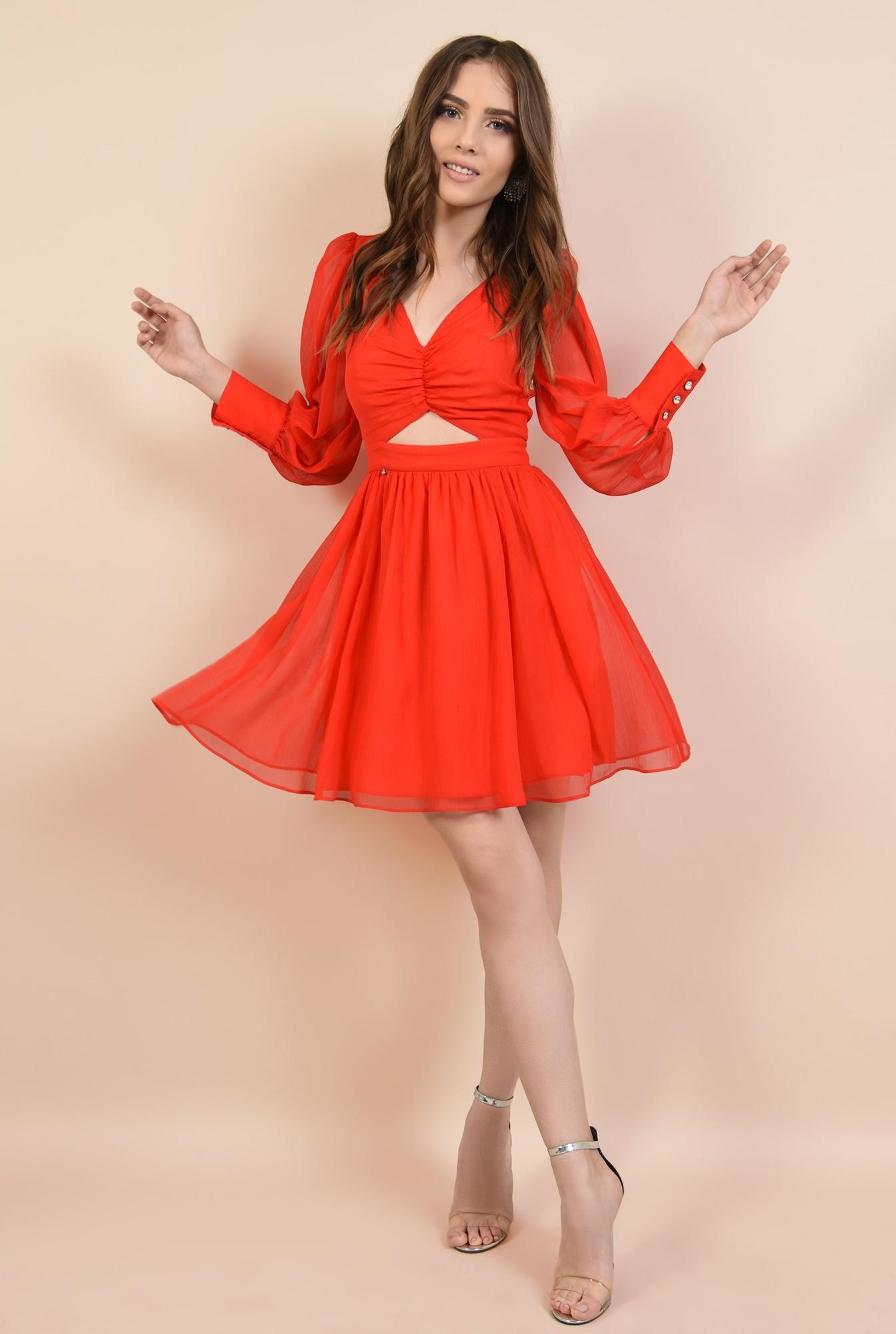 3 - rochie de ocazie, din voal creponat, rosu, cu bust fronsat, croi evazat