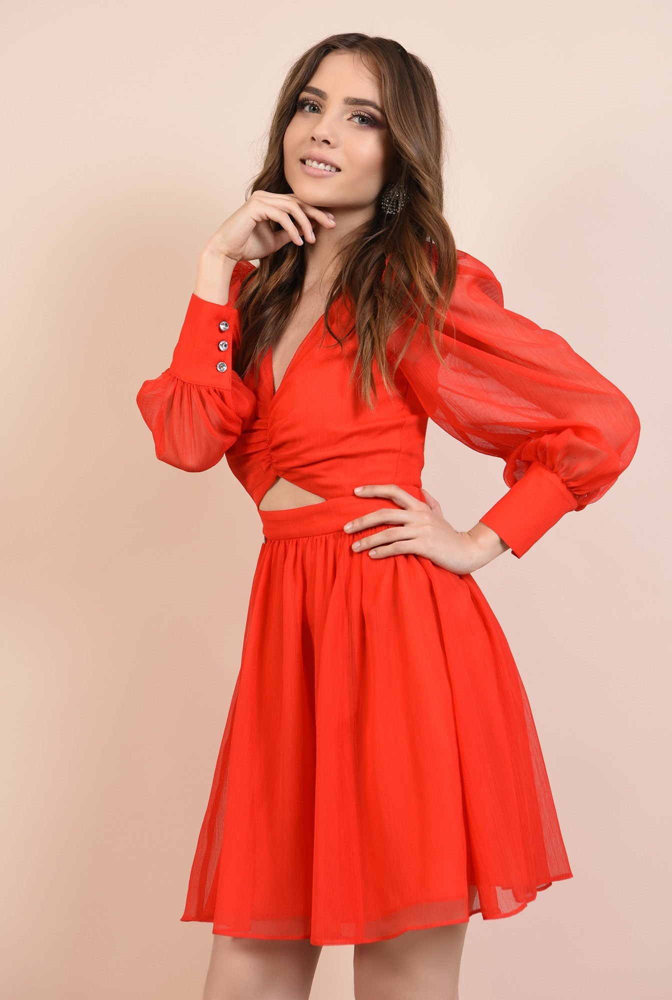 2 - rochie de ocazie, din voal creponat, rosu, cu bust fronsat, croi evazat
