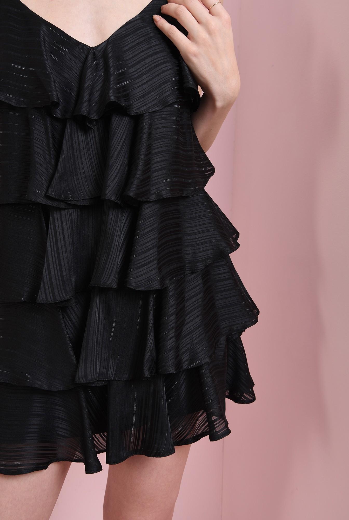 2 - rochie scurta, cu bretele subtiri