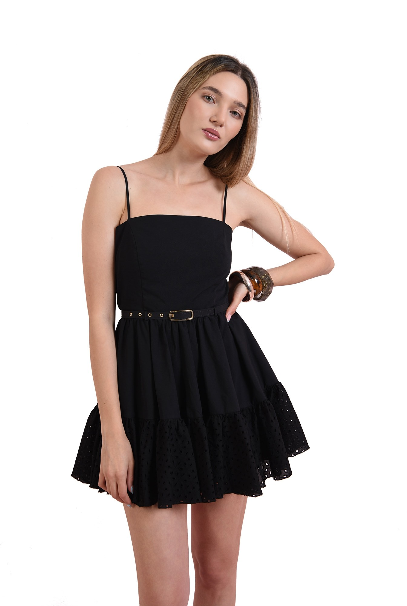3 - rochie din bumbac, cu volan perforat