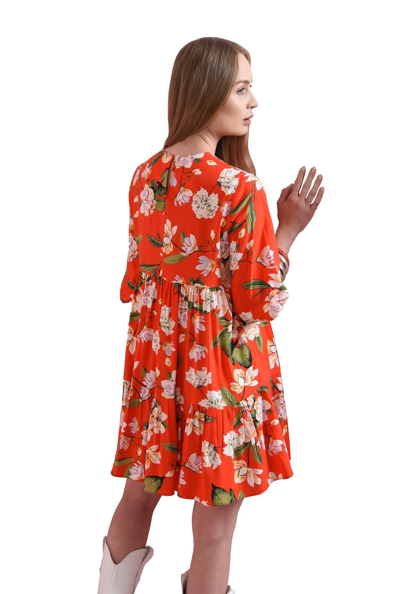3 - rochie rosie, scurta, cu print