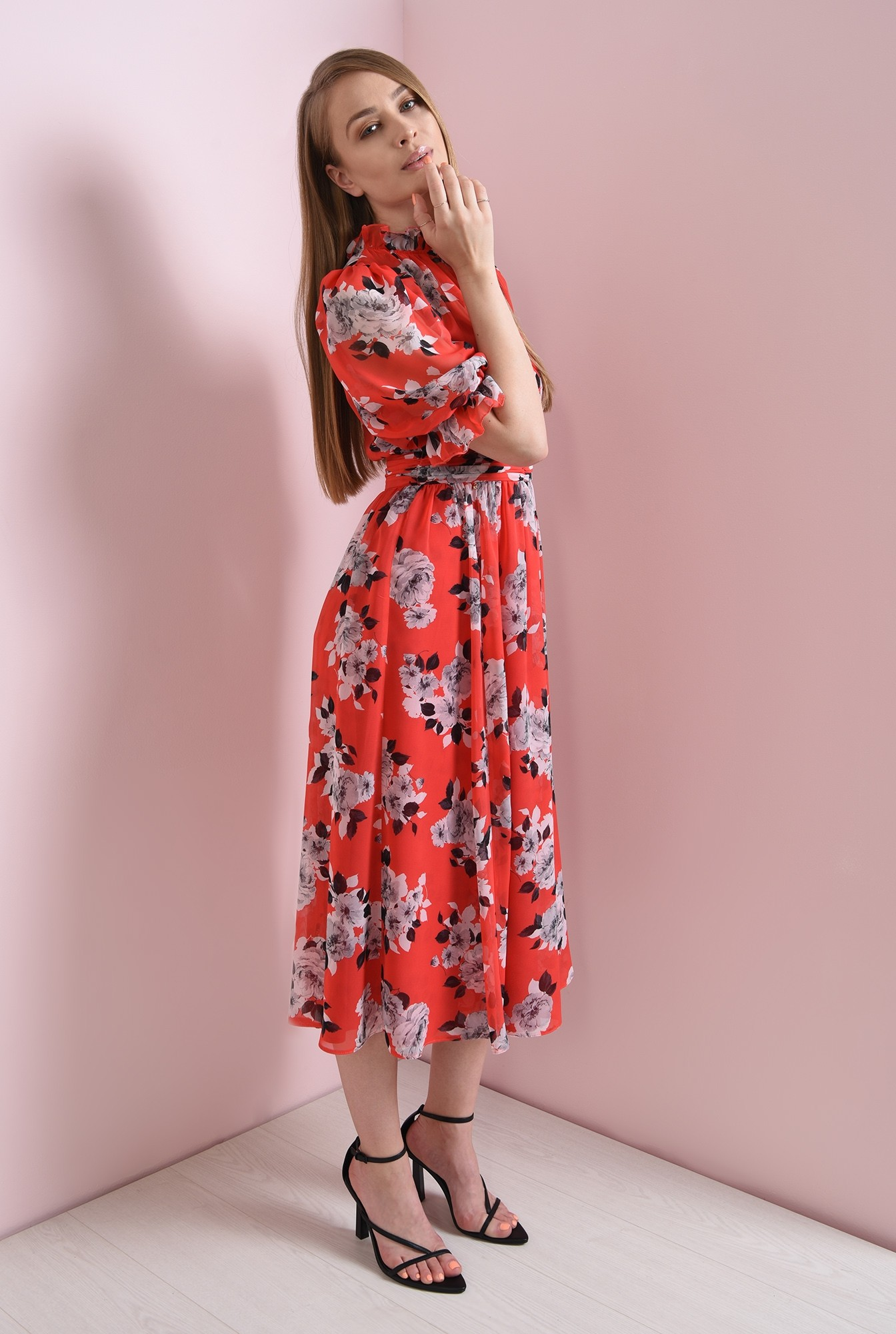 0 - rochie de vara, cu guler inalt, cu flori