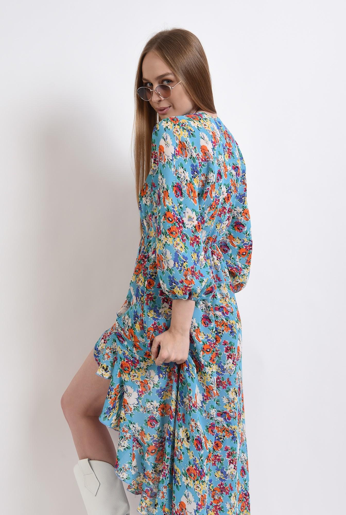 2 - rochie cu motive florale, cu maneca voluminoasa