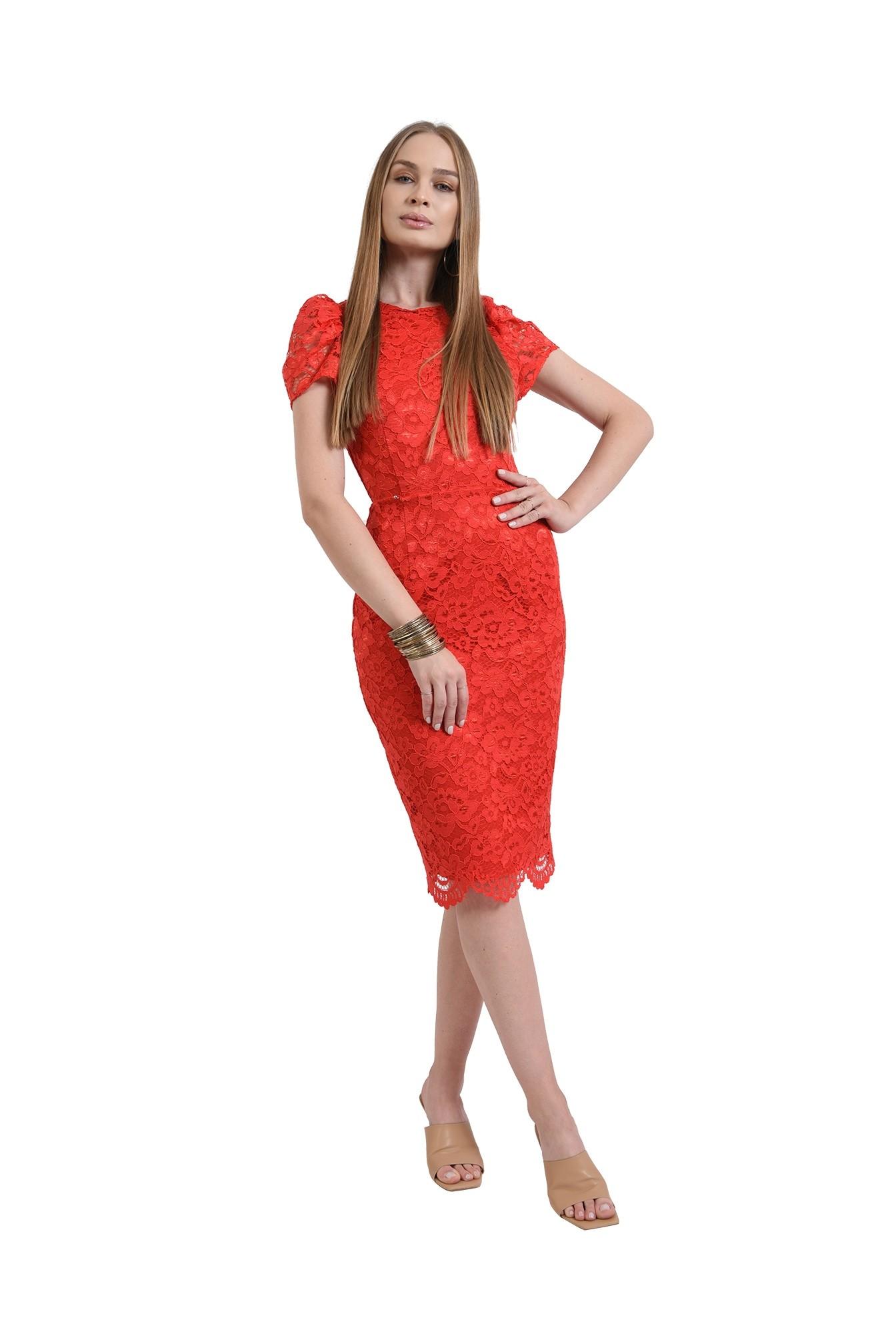 3 - rochie rosie, din dantela, conica