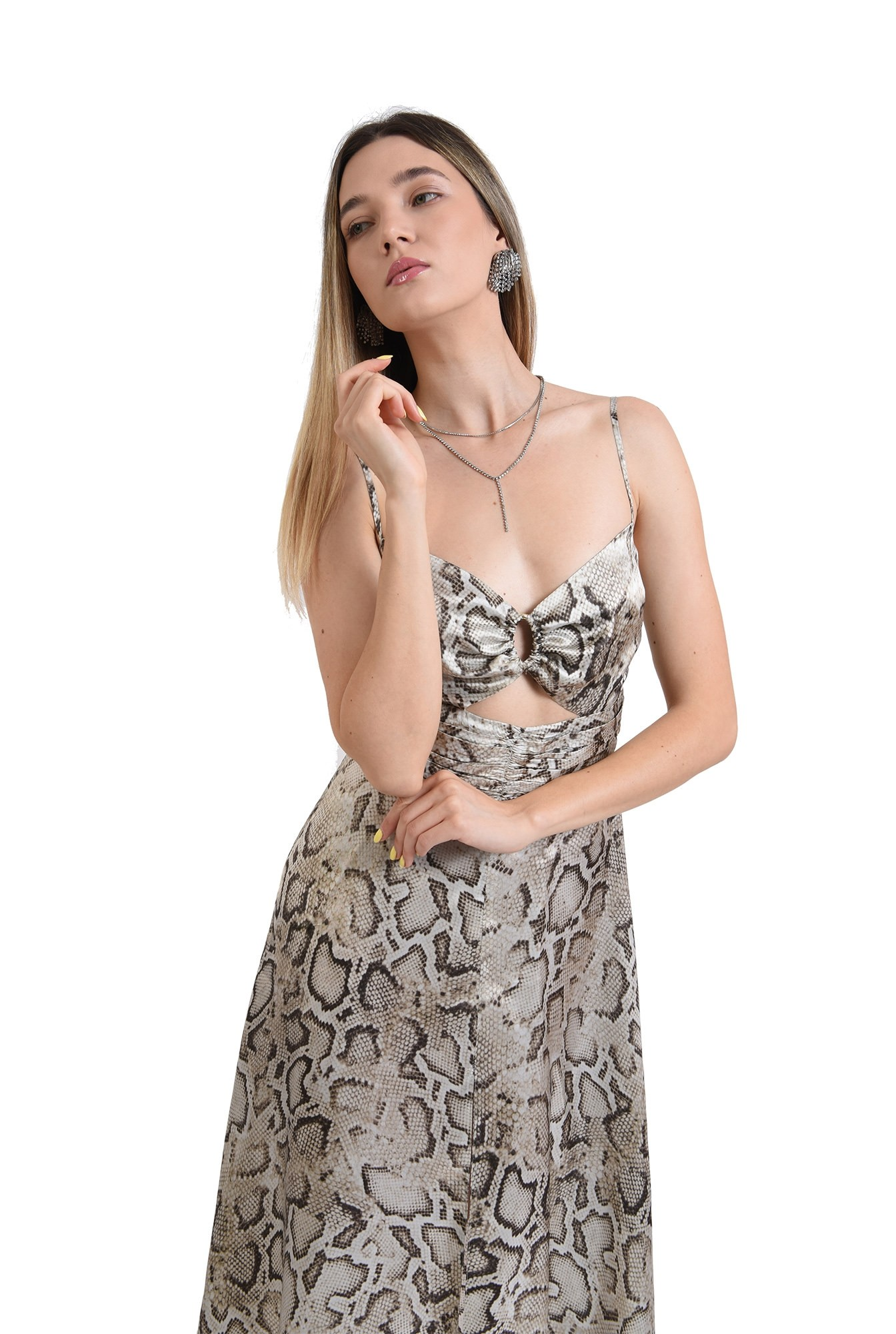 3 - rochie midi, eleganta, animal print, cu decupaj, fronsata pe accesoriu