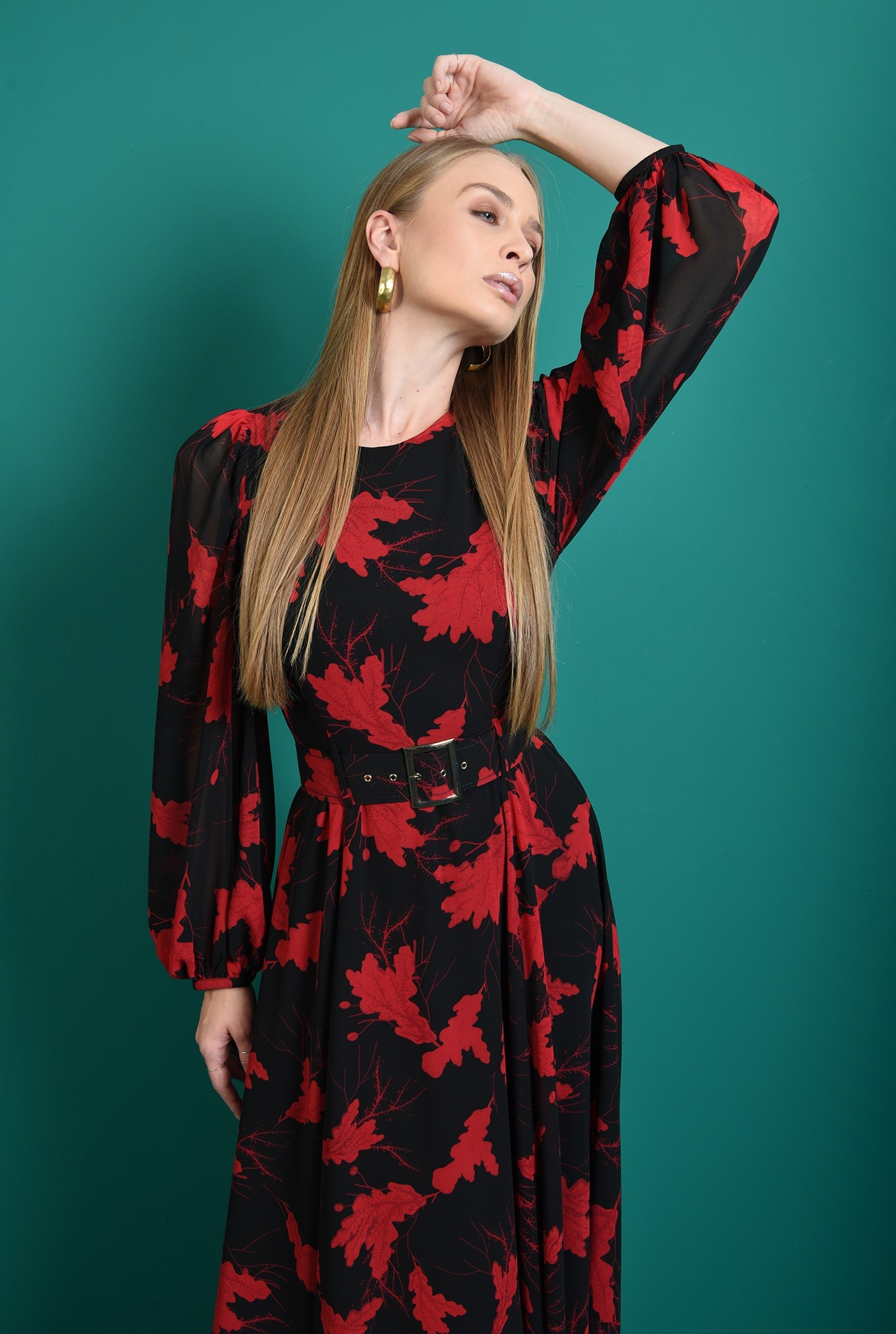 1 - rochie lunga, neagra, cu motive florale