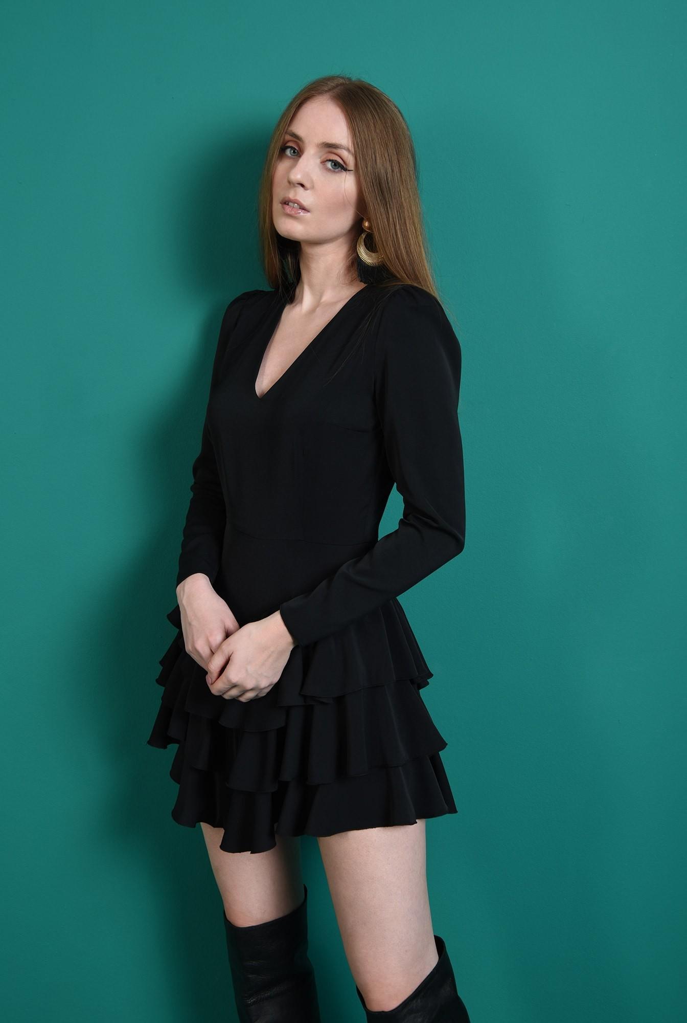 1 - rochie scurta, neagra, cu decolteu in V