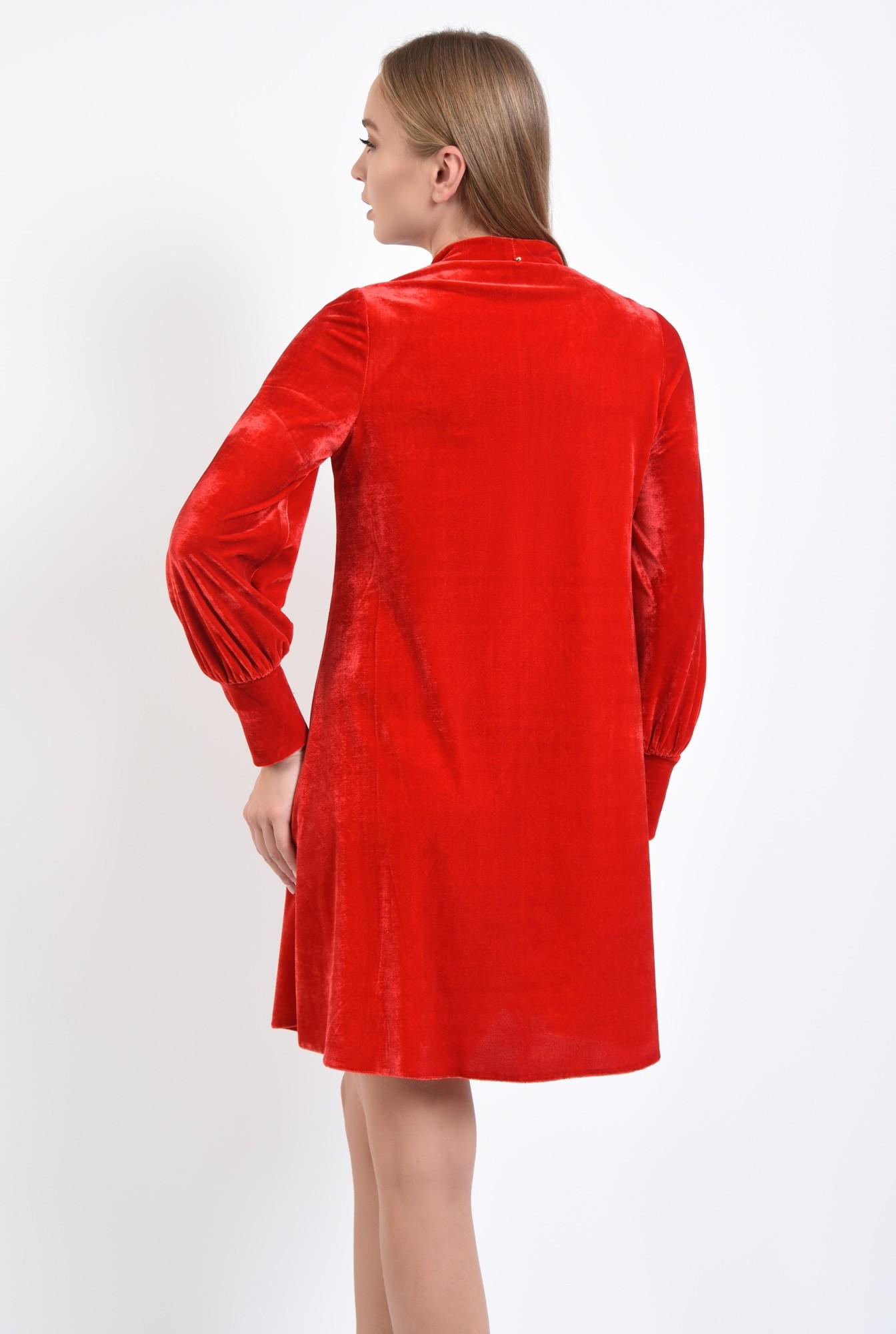 1 - rochie rosie, mini, croi larg, maneci bufante, decolteu anchior