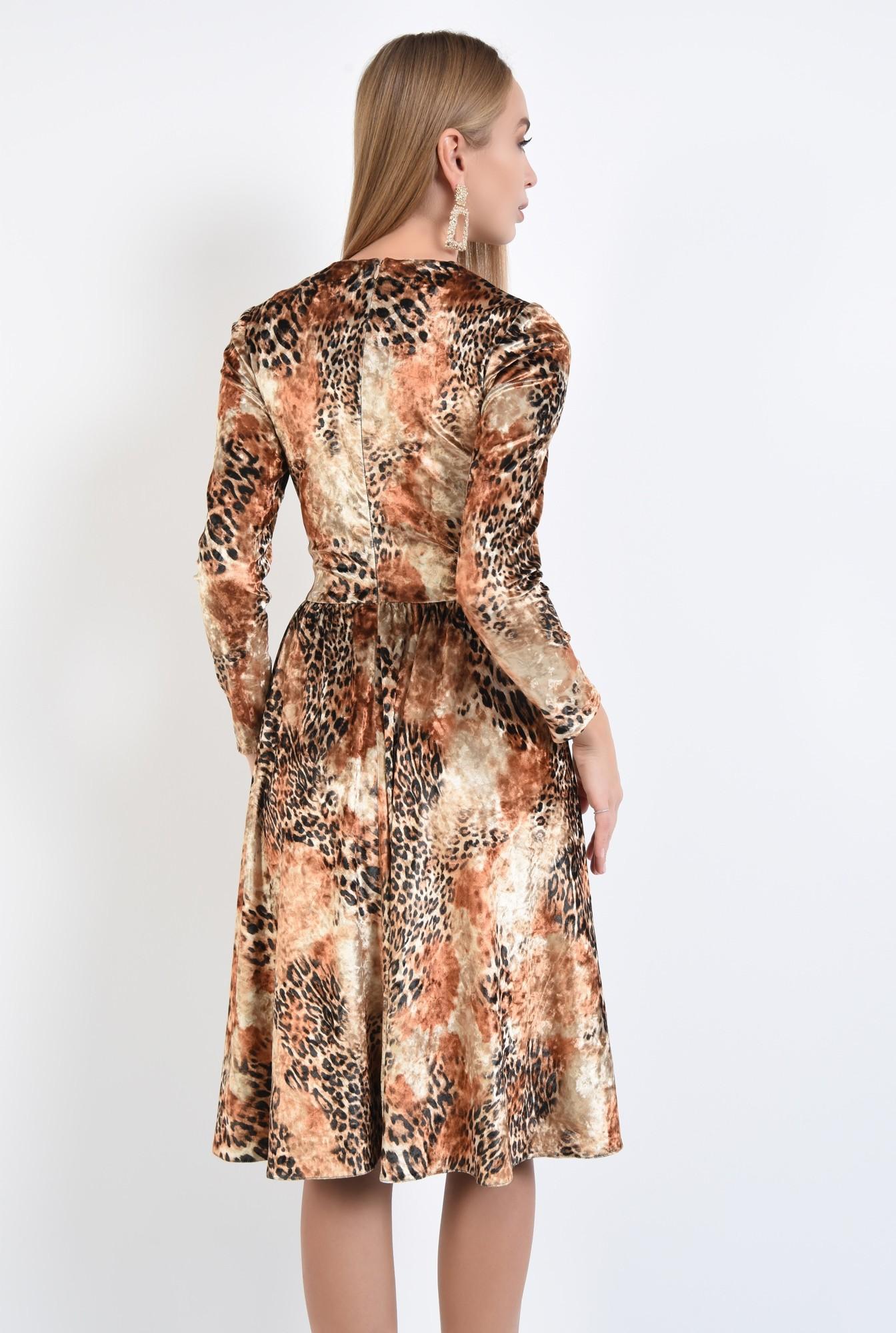1 - rochie eleganta, evazata, catifea imprimata, cusatura in talie, rascroiala rotunda la gat