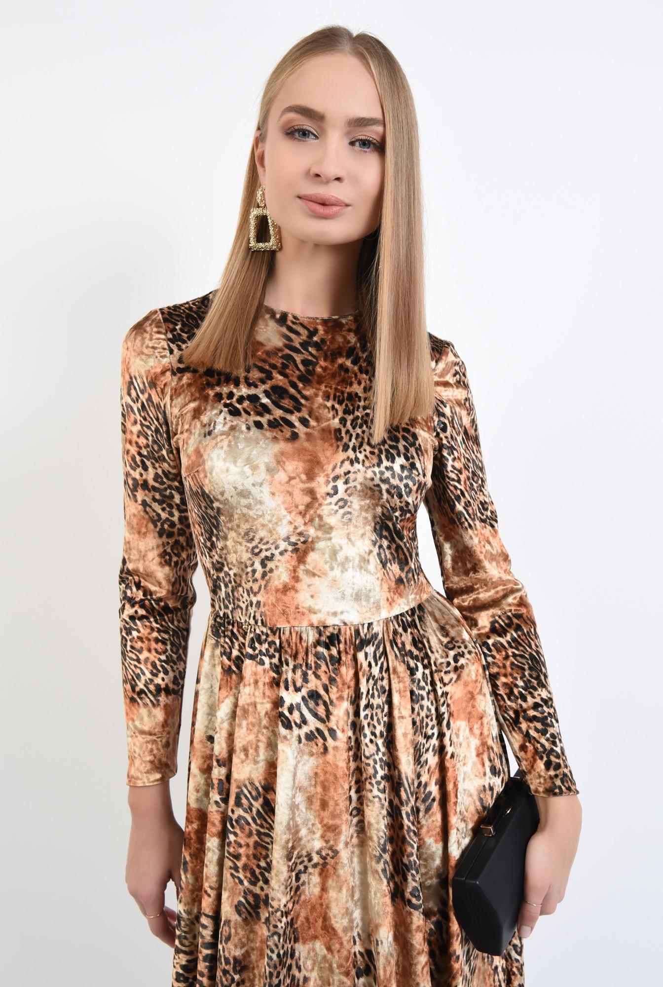 2 - rochie eleganta, evazata, catifea imprimata, cusatura in talie, rascroiala rotunda la gat