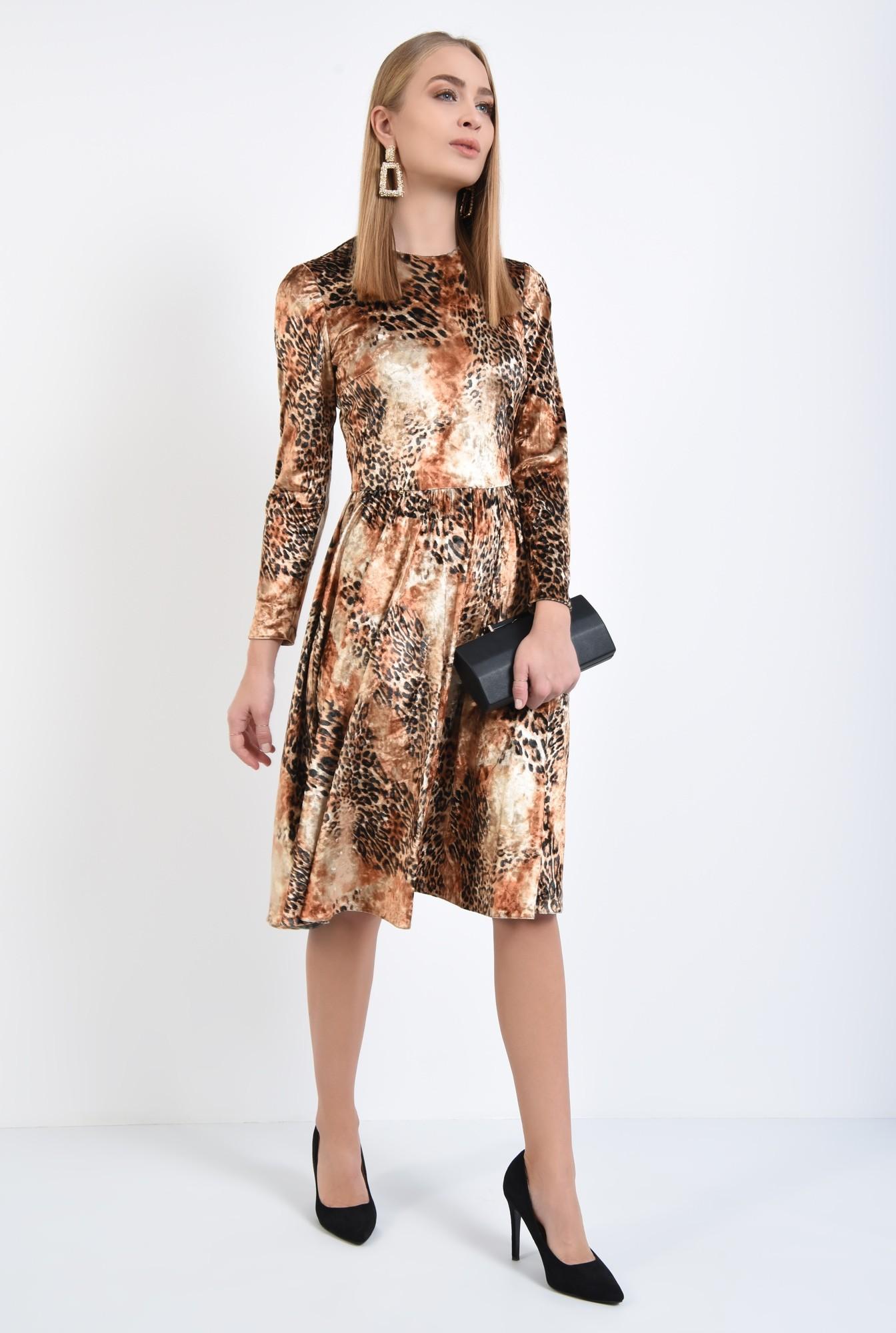 3 - rochie eleganta, evazata, catifea imprimata, cusatura in talie, rascroiala rotunda la gat