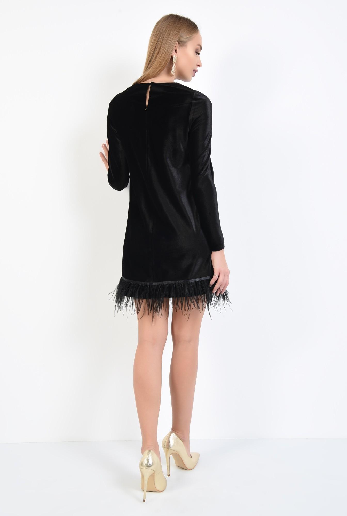 1 - rochie de seara, neagra, scurta, croi drept lejer, bordura din pene