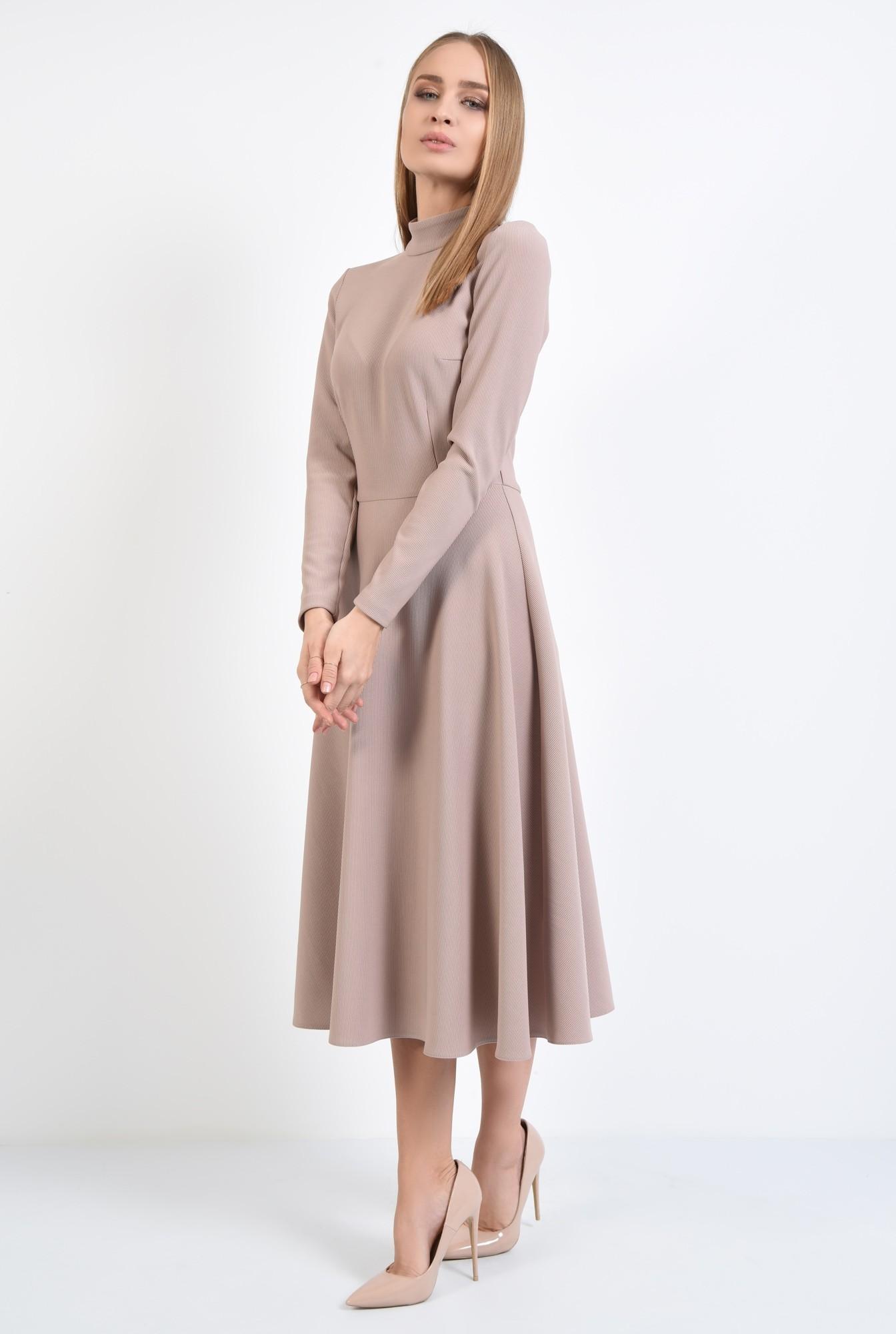 3 - rochie evazata, cu guler inalt, nasturi perla la spate, roz