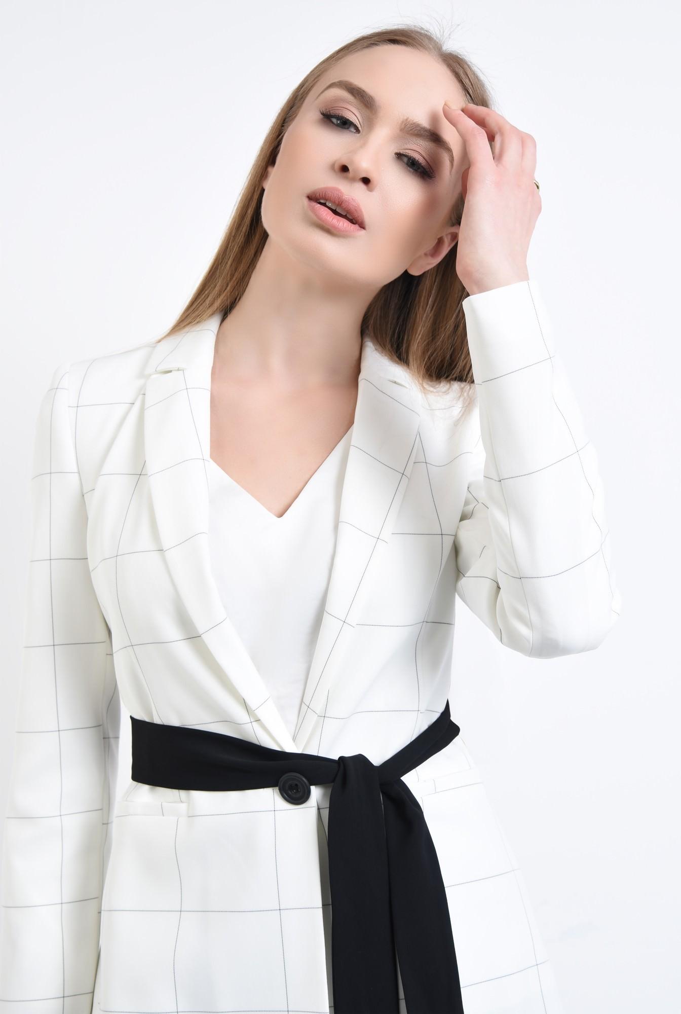 2 - Sacou elegant, alb