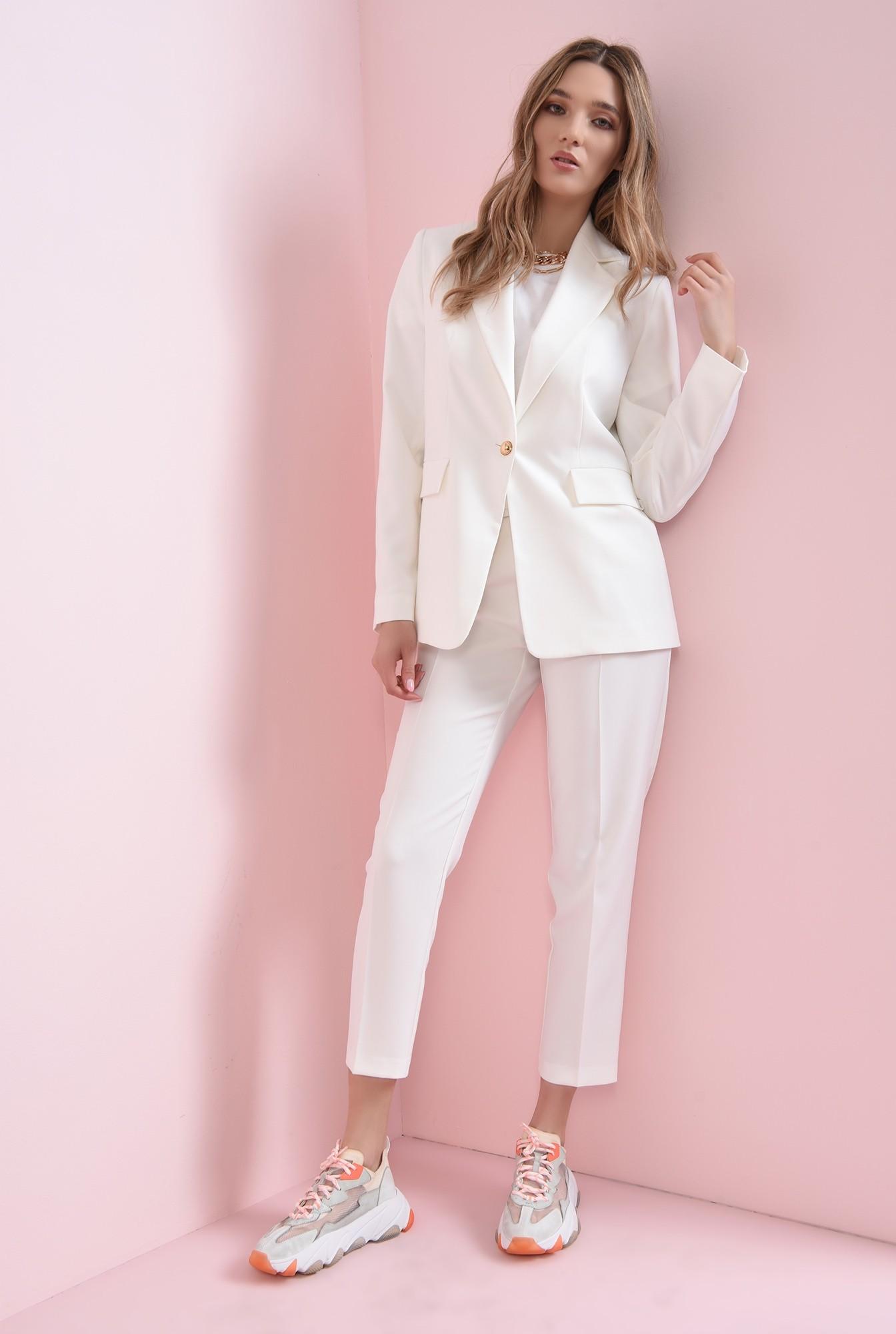 0 - pantaloni albi, cu curea, conici, la dunga
