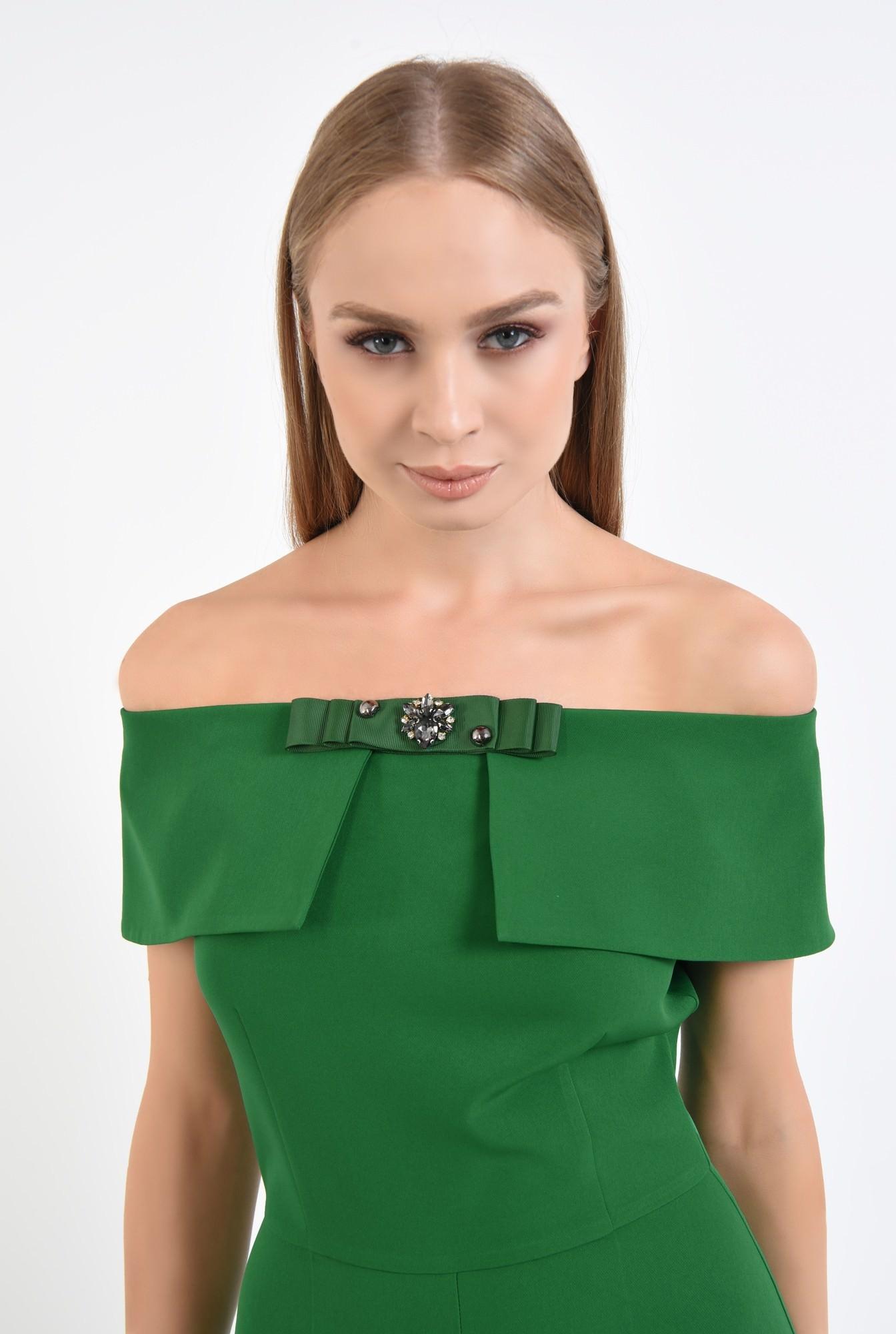 2 - salopeta eleganta, verde, brosa, umeri goi