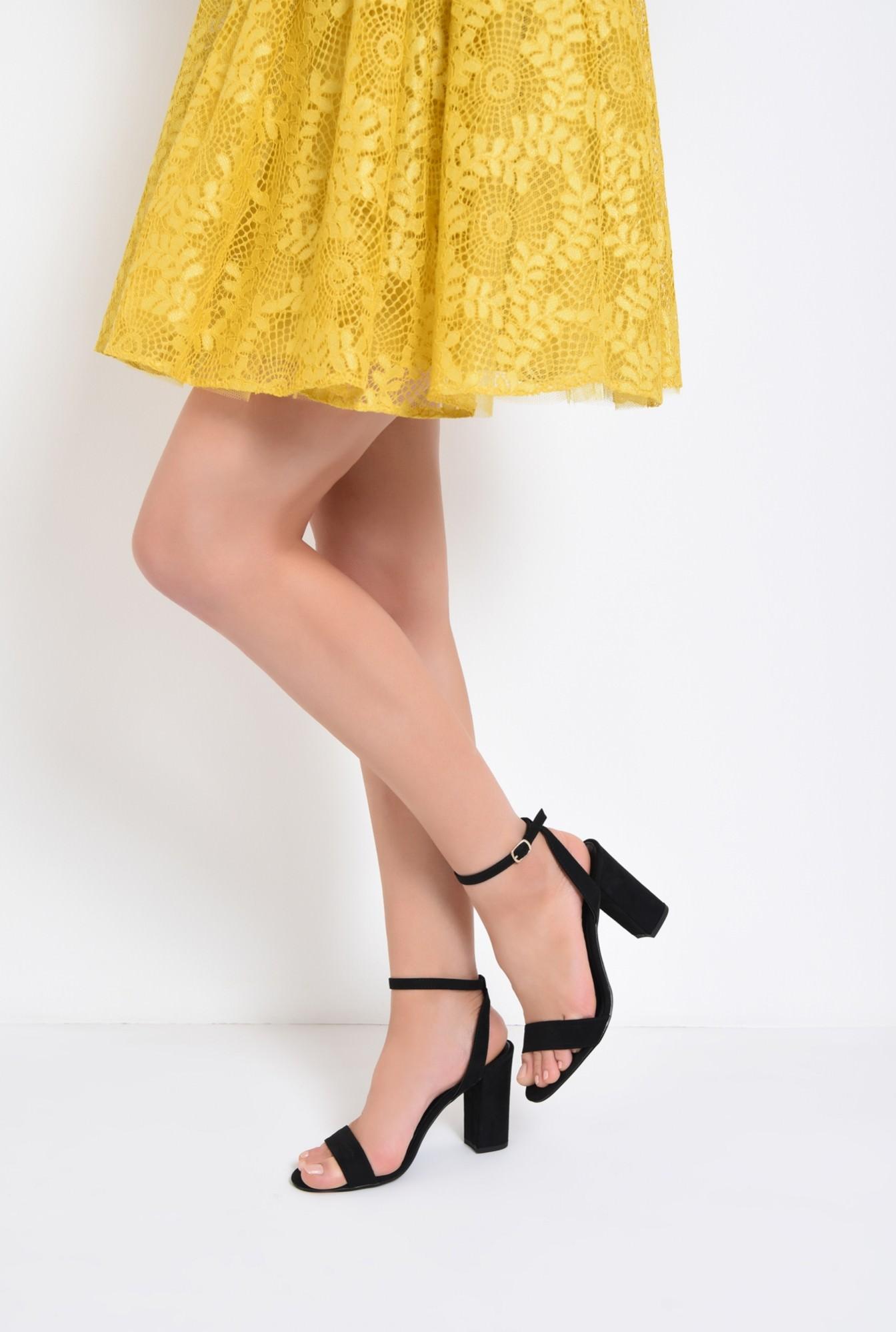 4 - sandale elegante, negre, din catifea, toc gros